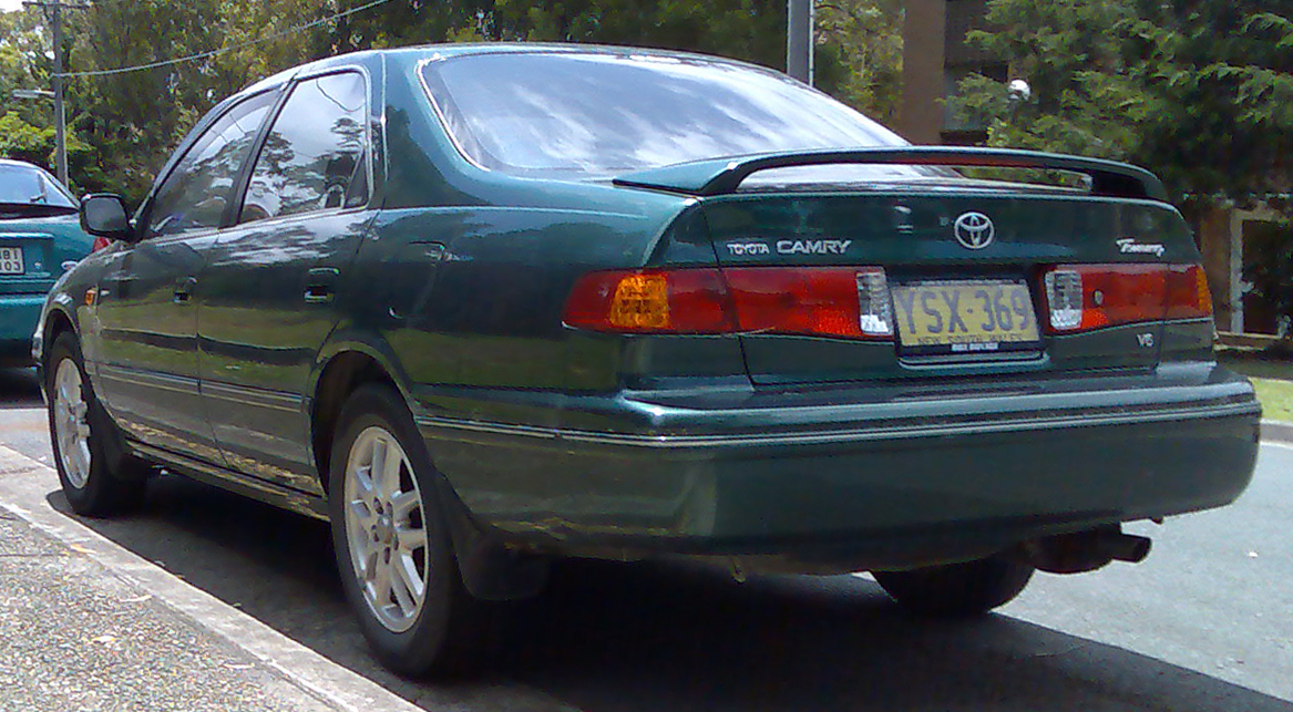 toyota camry 2002. File:2000-2002 Toyota Camry