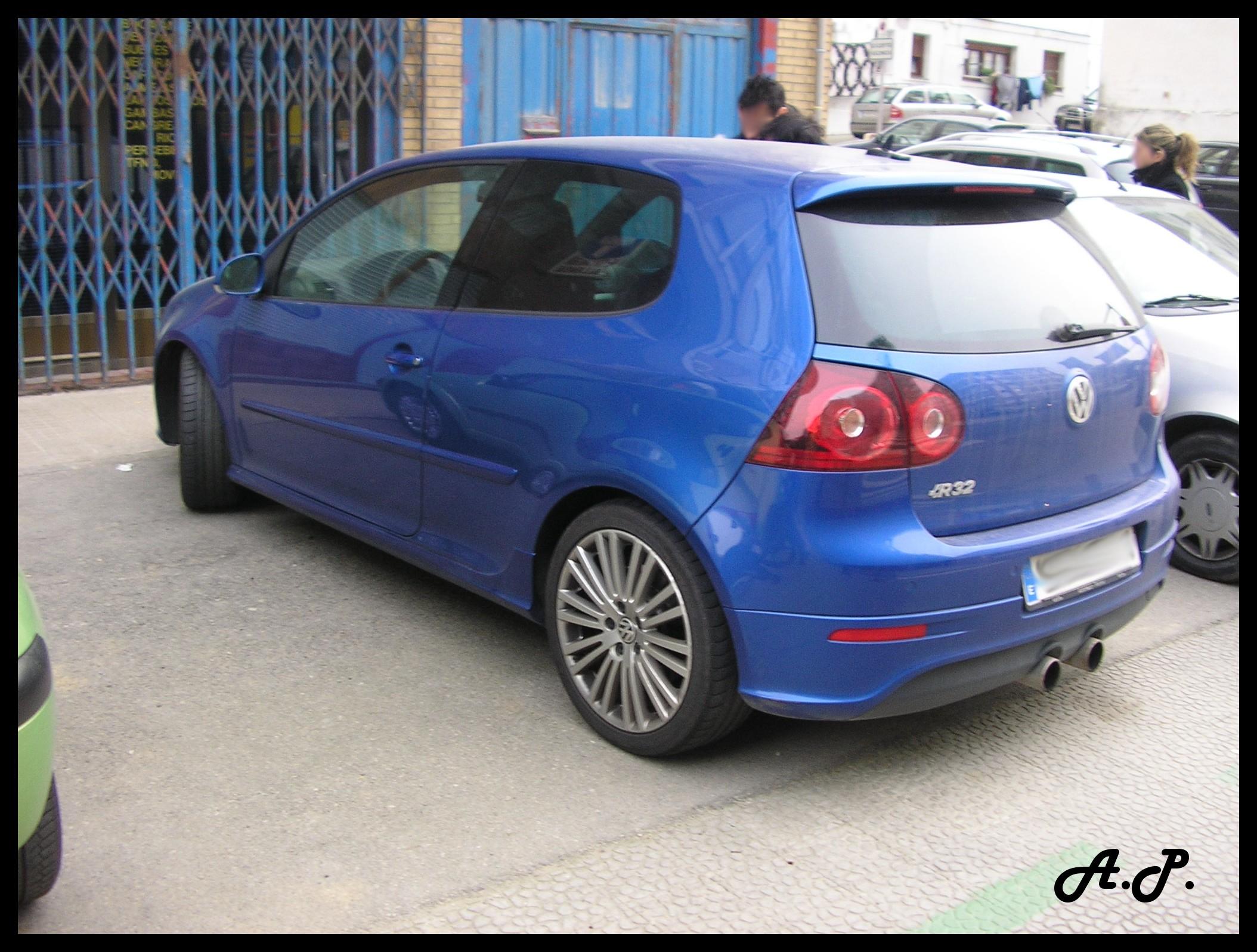 File:2007 Volkswagen Golf R32 MKV (Typ 1K) (3726272091) jpg
