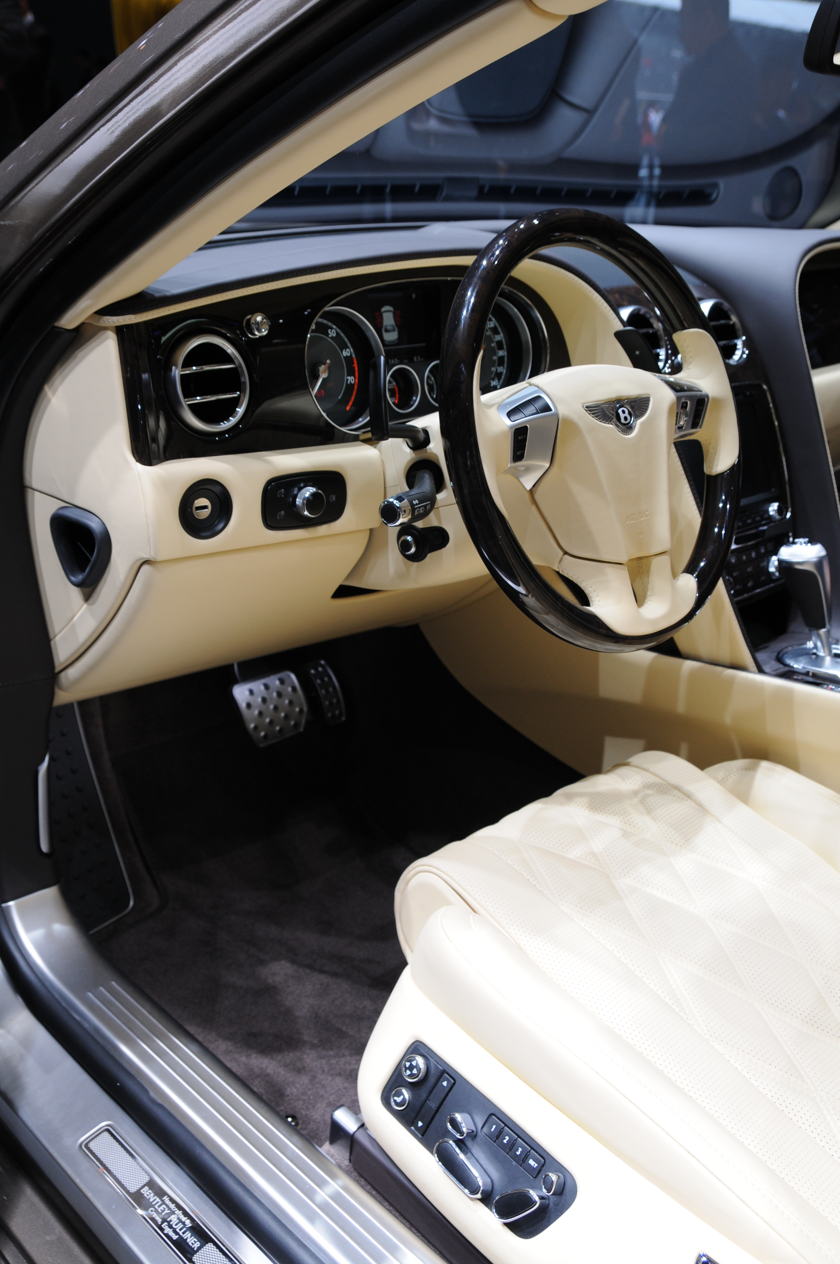File 2013 03 05 Geneva Motor Show 7935 JPG Wikimedia mons