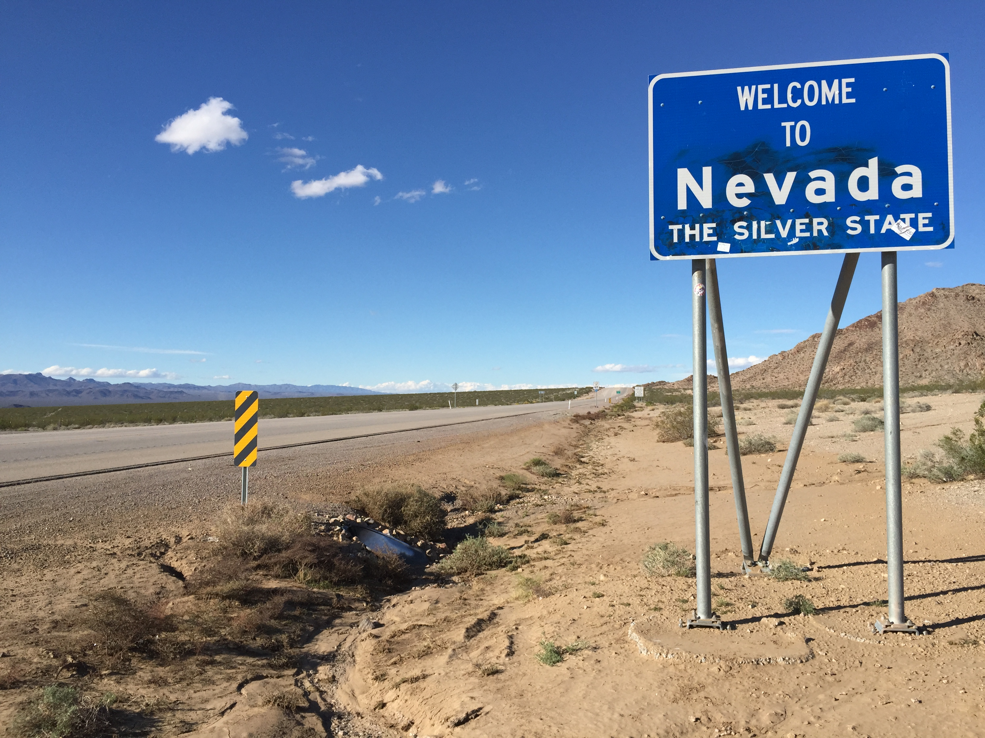 """File 2015 11 03 14 18 35 """"Wel e to Nevada"""" sign along southbound"""