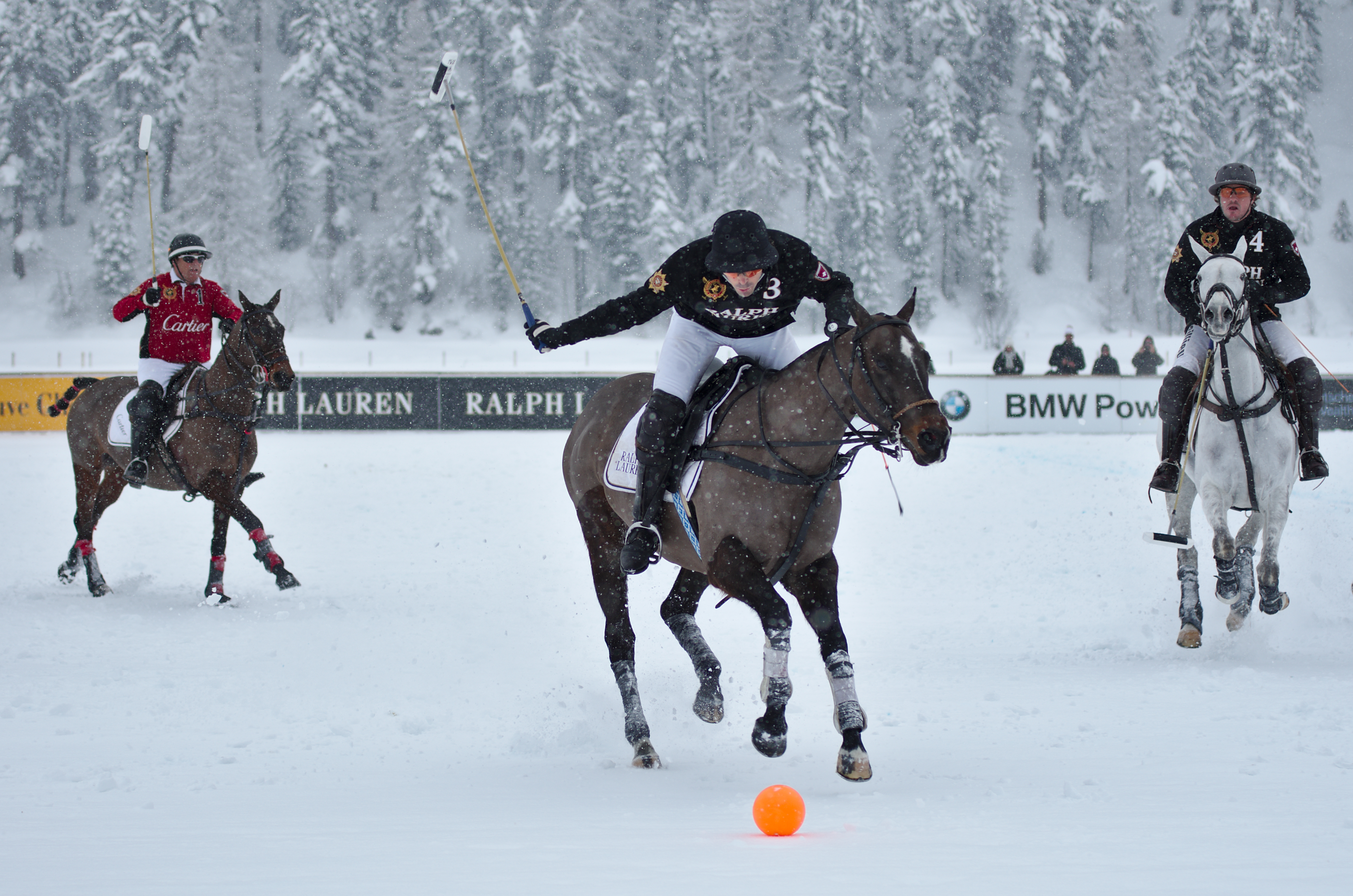 http://upload.wikimedia.org/wikipedia/commons/0/0d/30th_St._Moritz_Polo_World_Cup_on_Snow_-_20140202_-_Cartier_vs_Ralph_Lauren_5.jpg