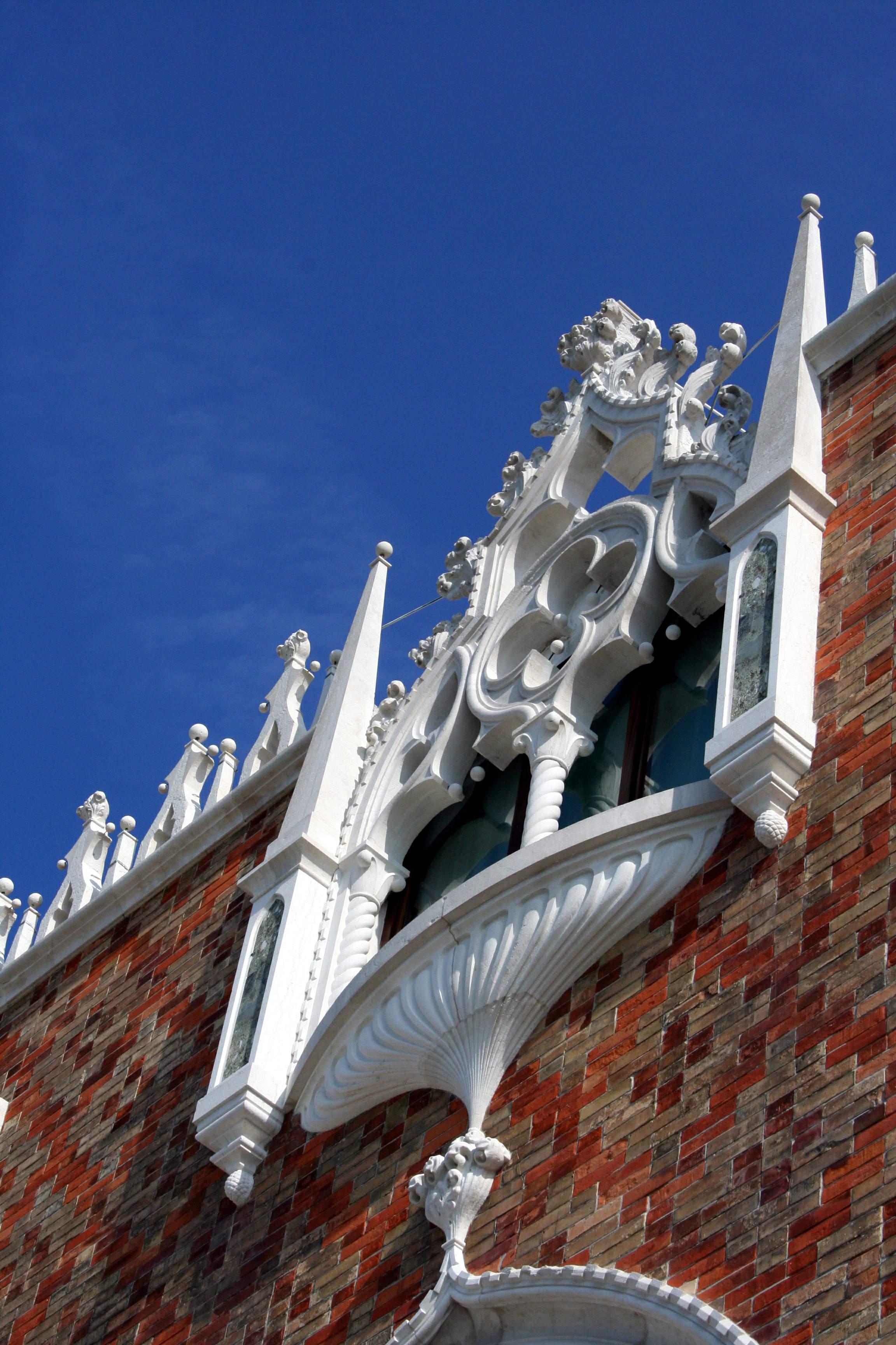 File 5819 venezia giudecca mario de maria casa dei for Casa revival gotica