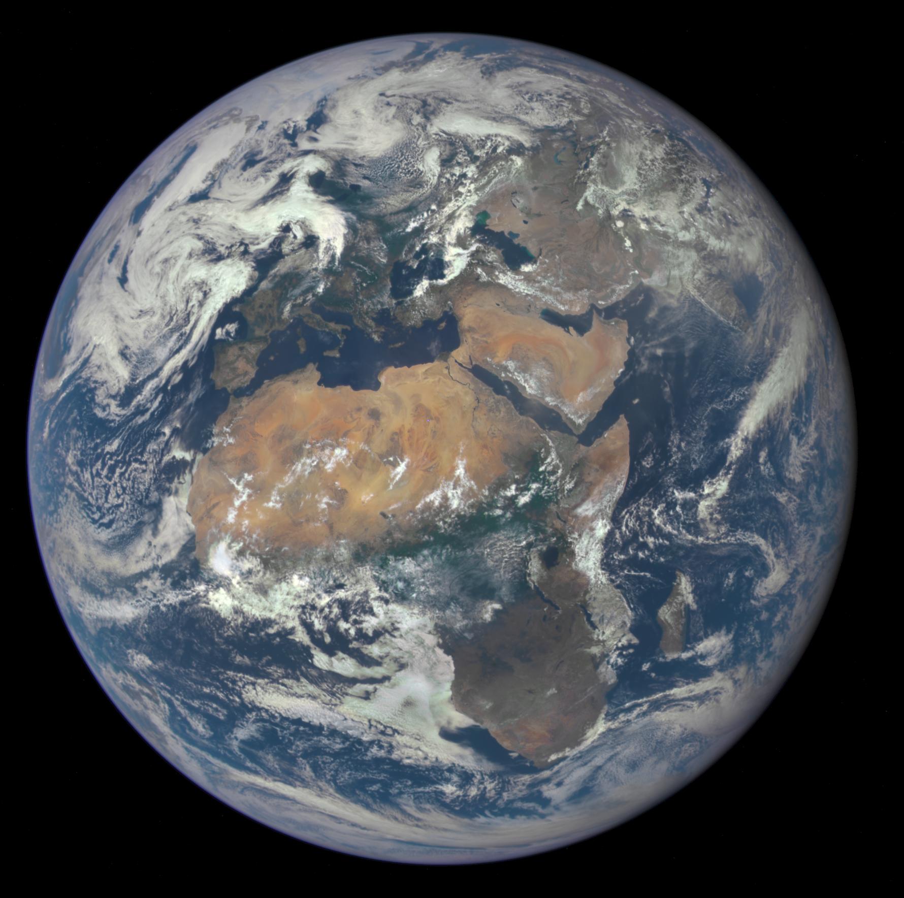 Сколько занимает земля на планете