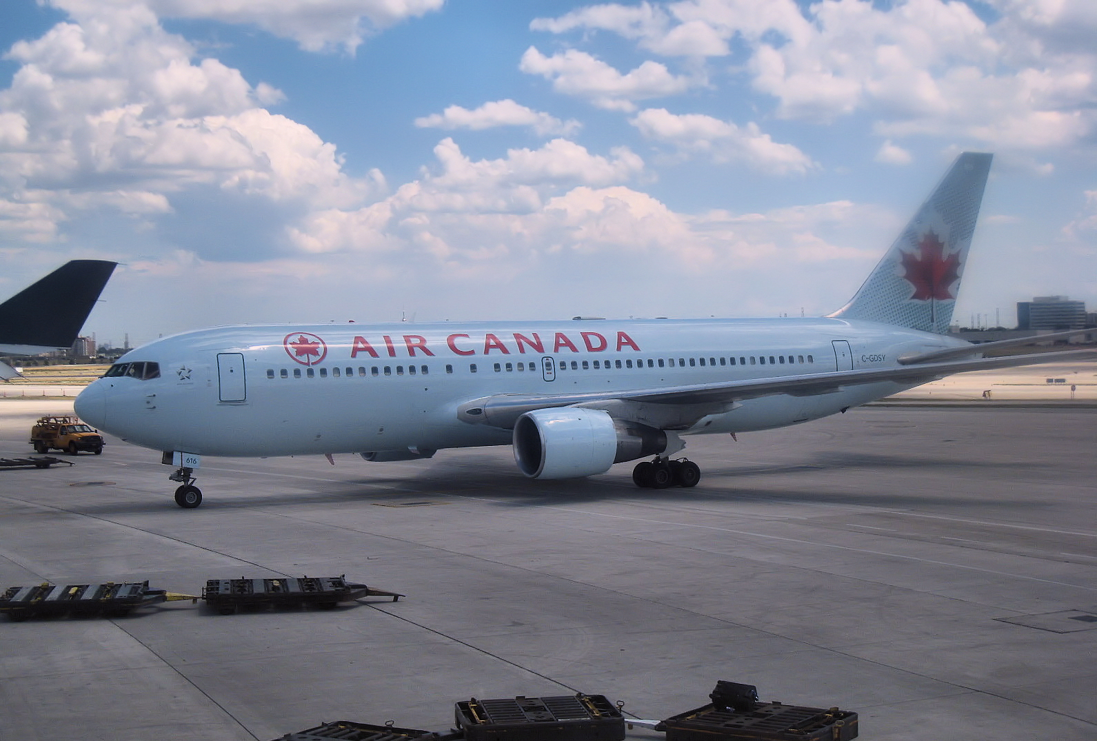 Description Air Canada Boeing767.jpg