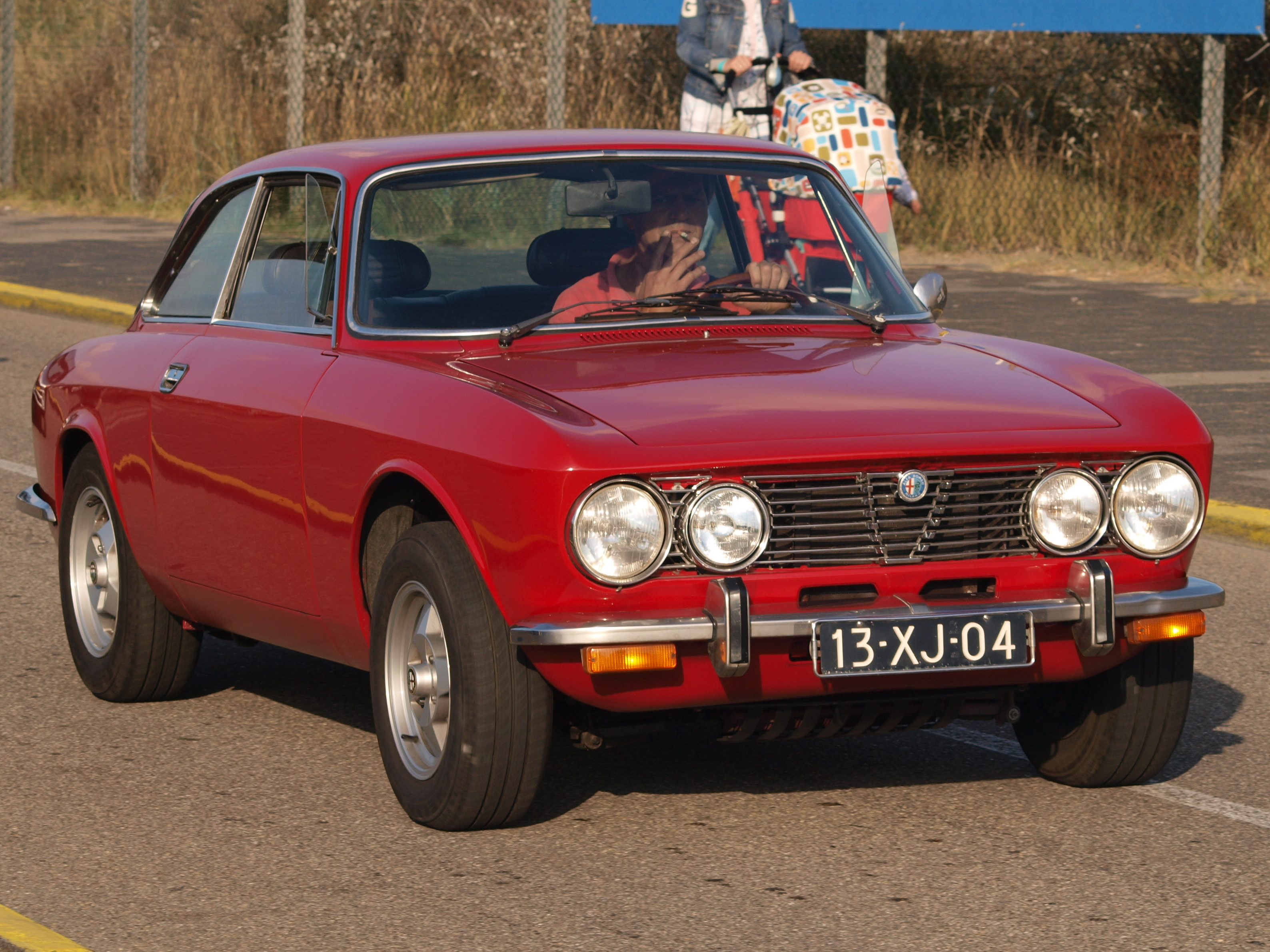 File Alfa Romeo 2000 GTV USA dutch licence registration 13 XJ 04 JPG