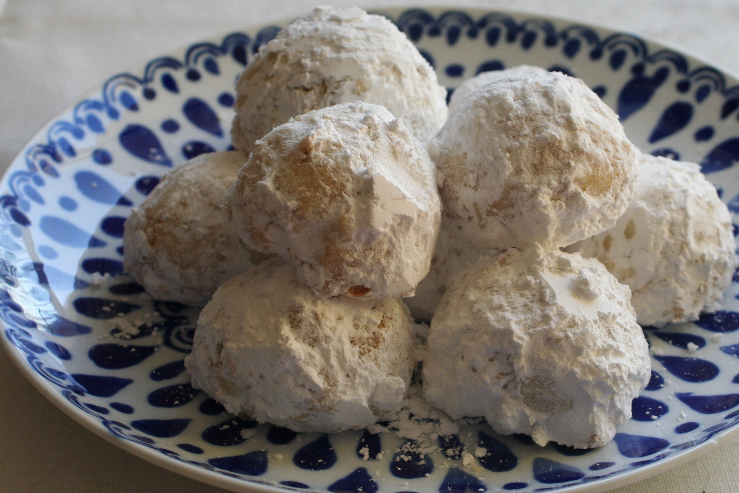 File almond moon cookies g wikimedia commons