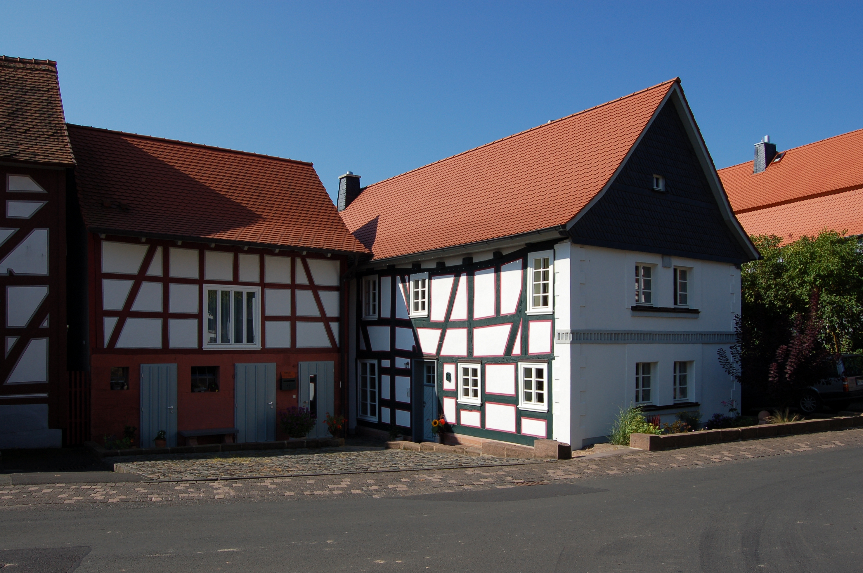 File:An der Linde 06 (Himmelsberg) X.jpg - Wikimedia Commons