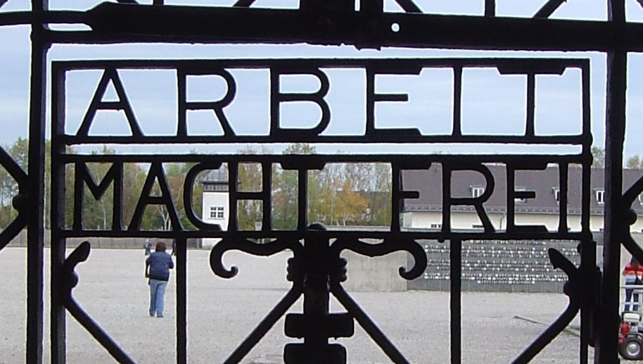 Tor im KZ Dachau