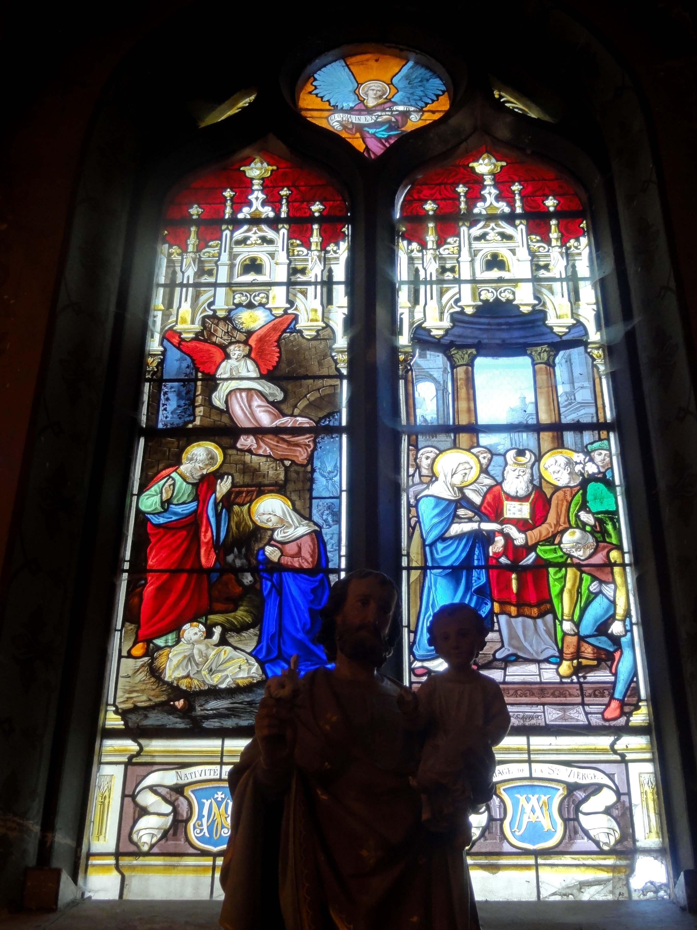 Fichier Avilly Saint Léonard 60 église Saint Léonard base du
