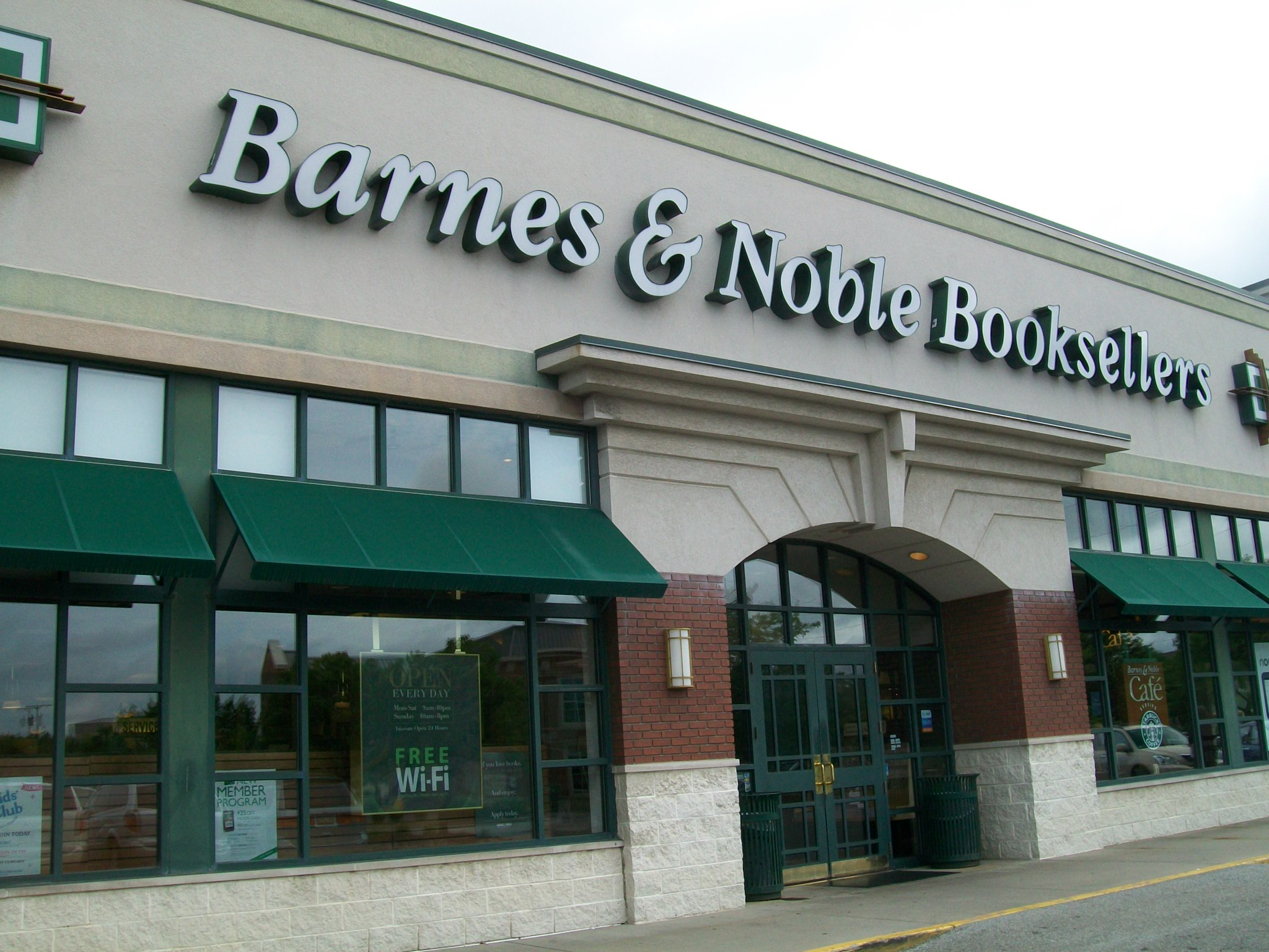 File:Barnes ^ Noble - Cranberry TWP, PA - panoramio jpg