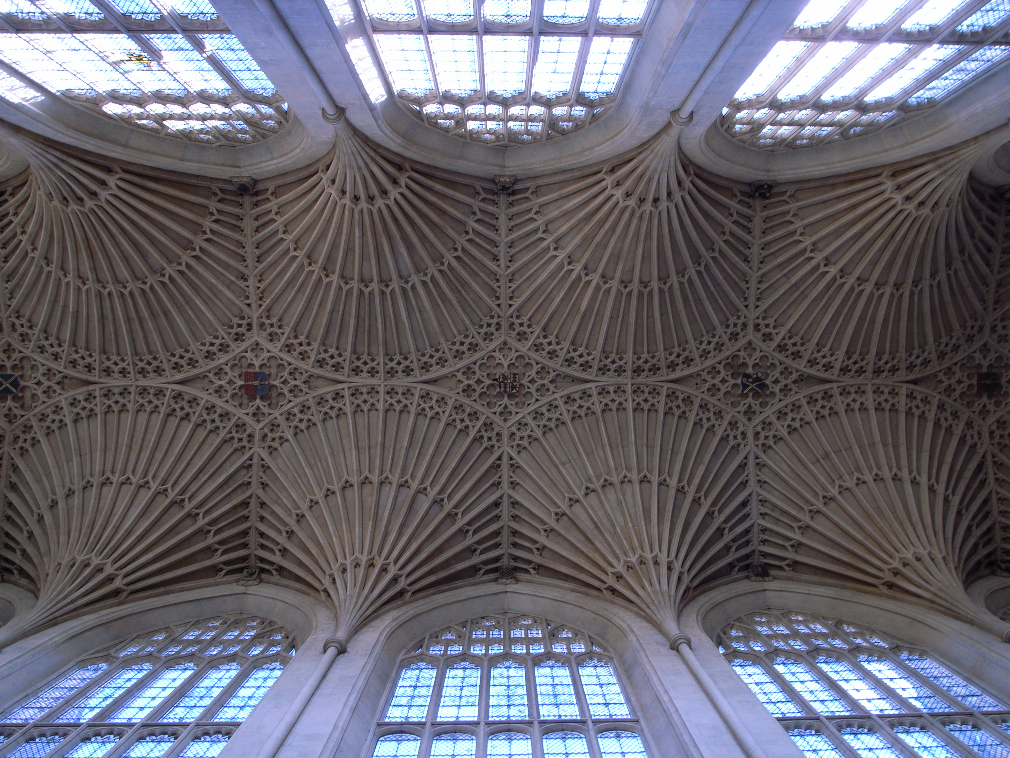 File:Bath Abbey Vaults.jpg - Wikimedia Commons