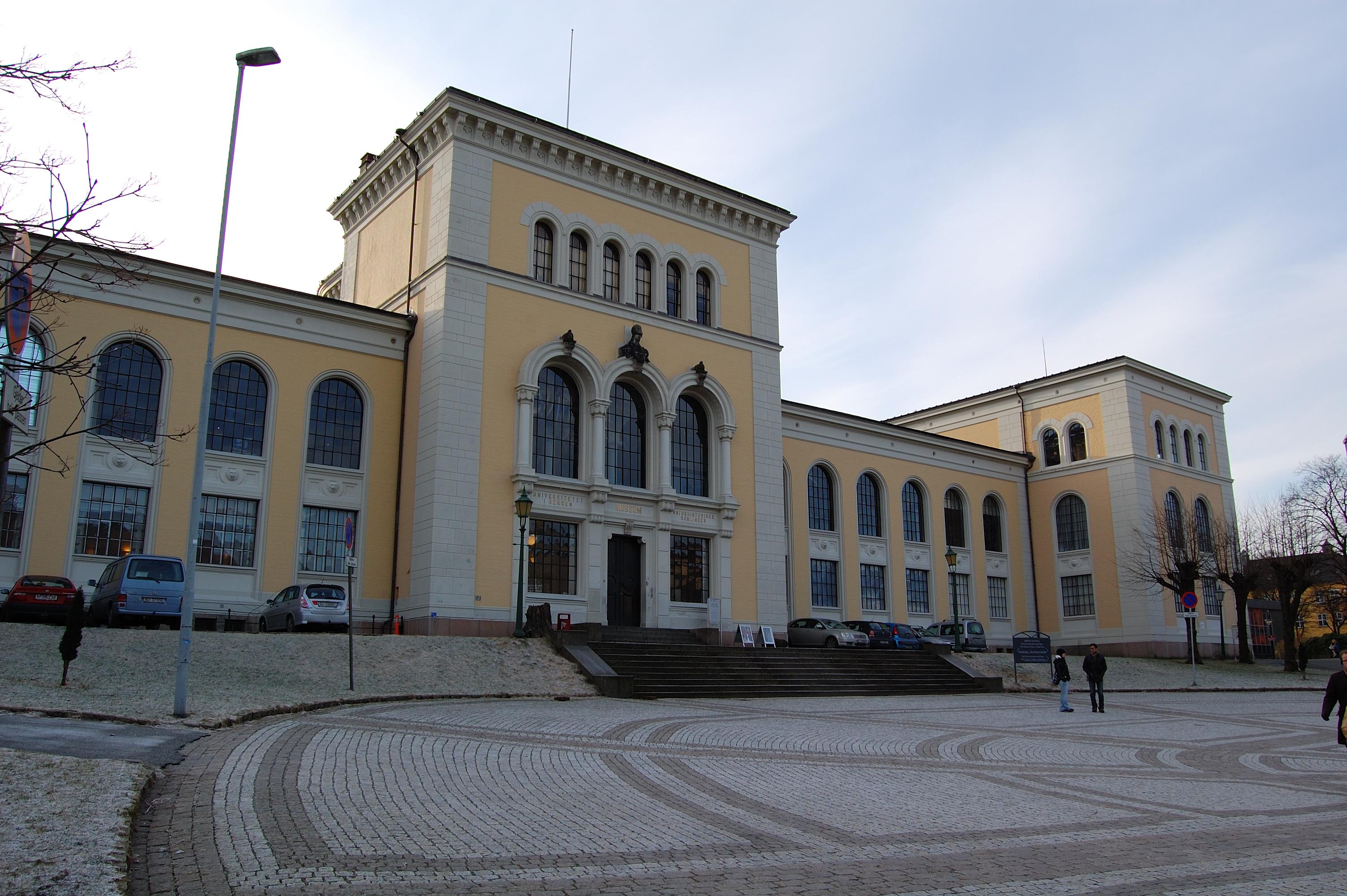 Bilderesultat for universitetsmuseet i bergen