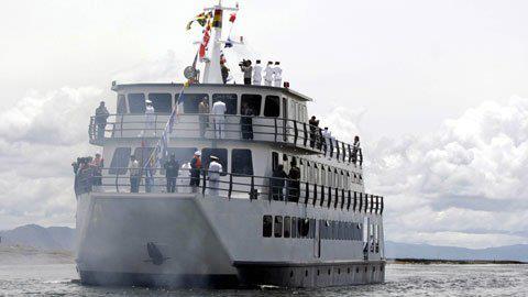 La marine de Bolivie Buque_de_la_armada_boliviana