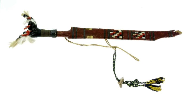 File:COLLECTIE TROPENMUSEUM Mandau met schede en mesje TMnr 518-38.jpg