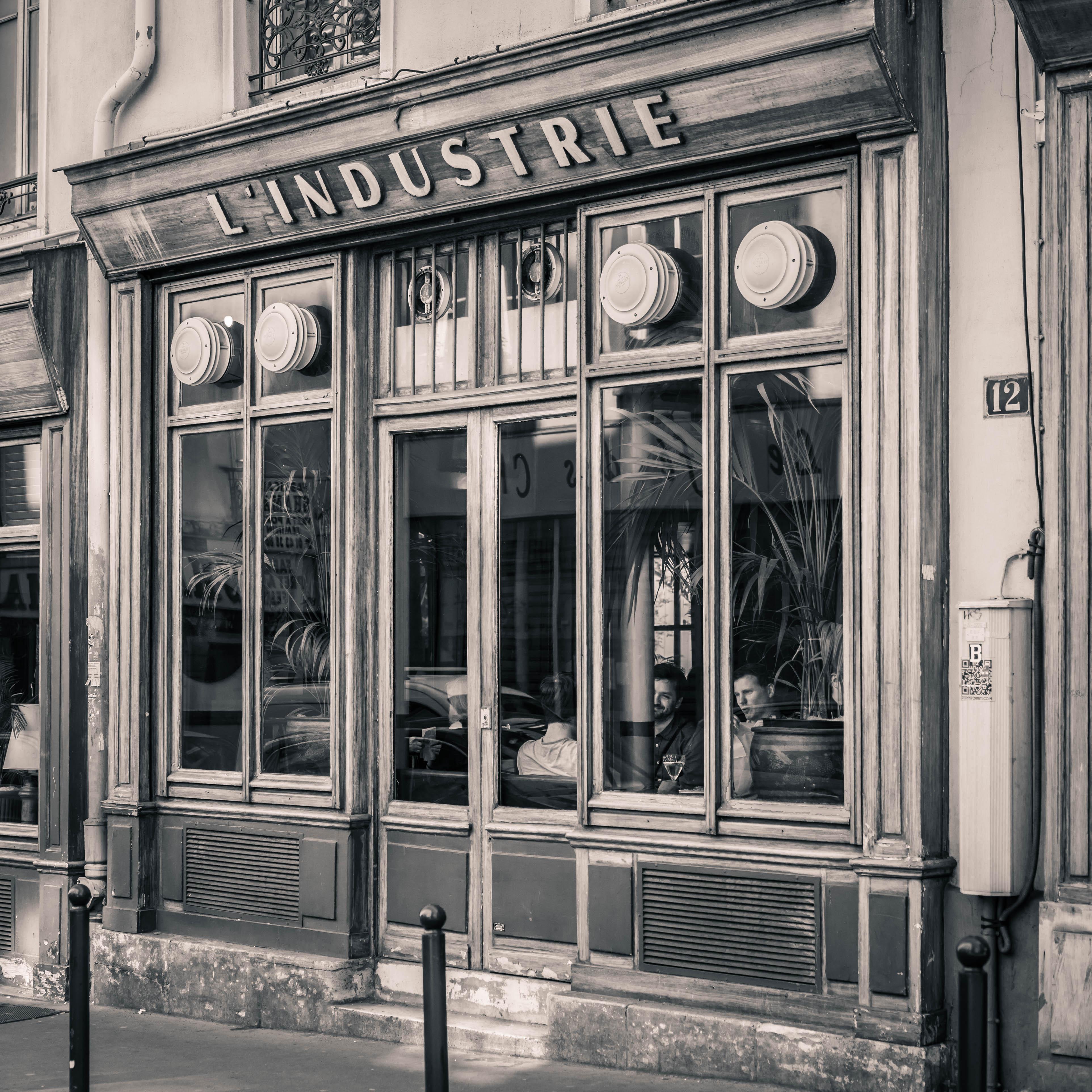 Caf Paris Rue Leonidas
