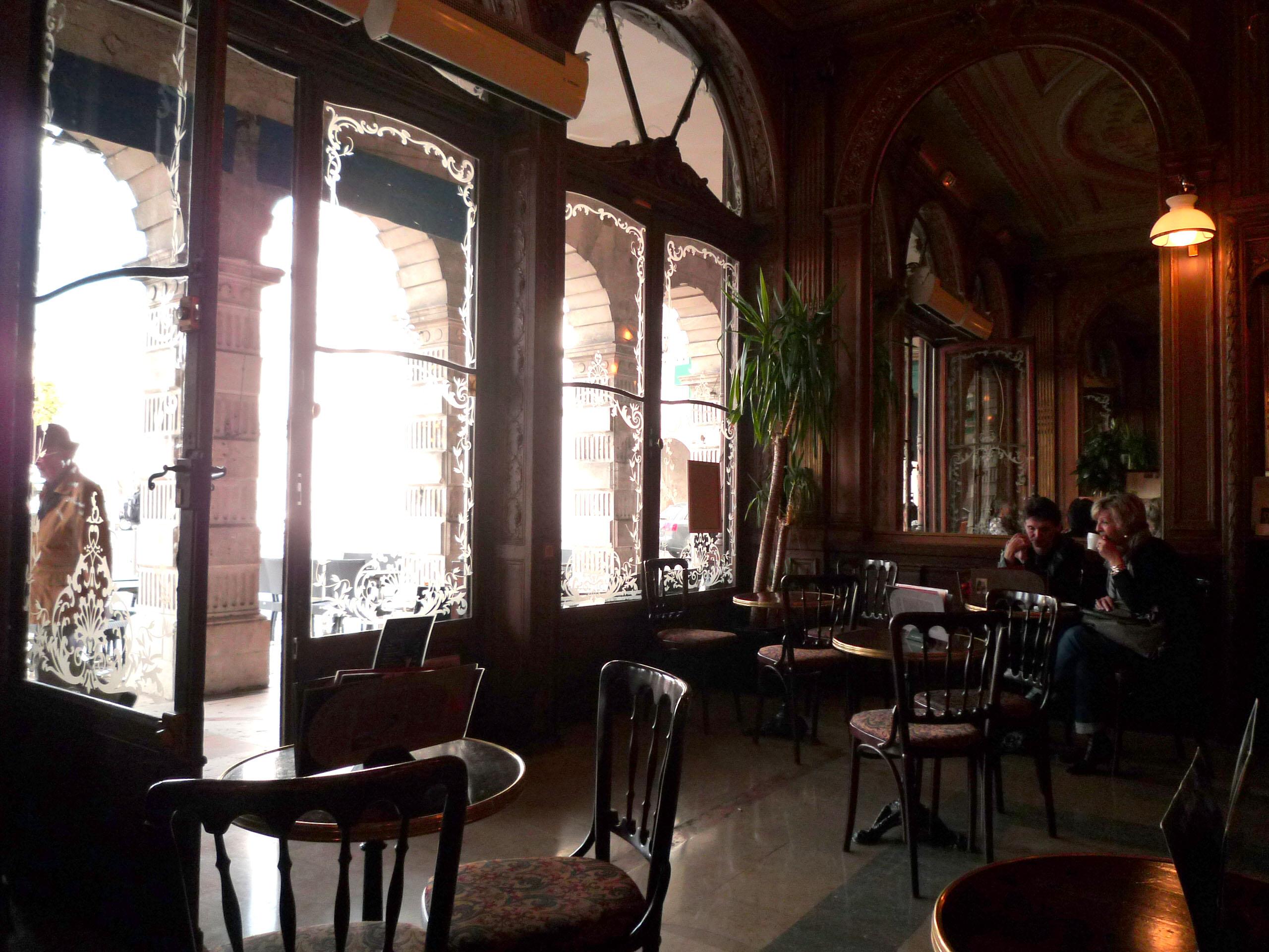 Elegant Table 1280 Restaurant