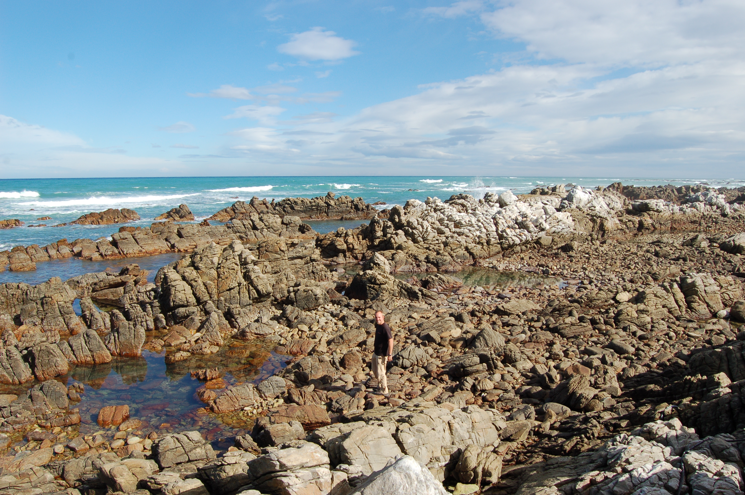 E >> File:Cape Agulhas, South Africa (3225991064).jpg - Wikimedia Commons