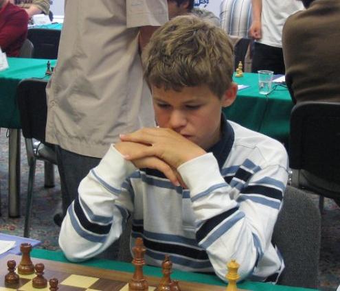 der junge Carlsen Magnus wendet das Epaulettenmatt an