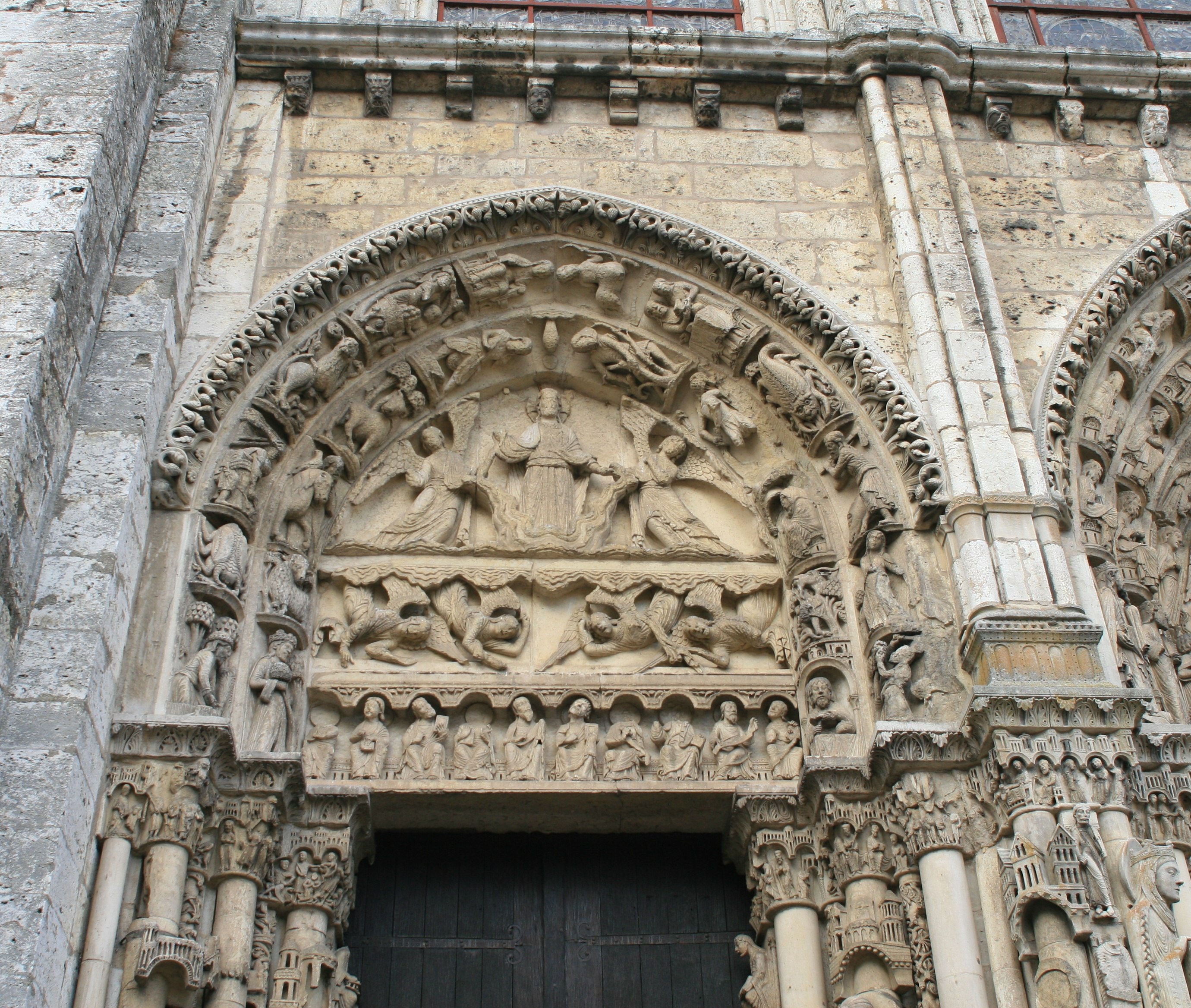 File:Chartres Cathedral Royal Port Left Bay Tympanum 2007 08 31 ...