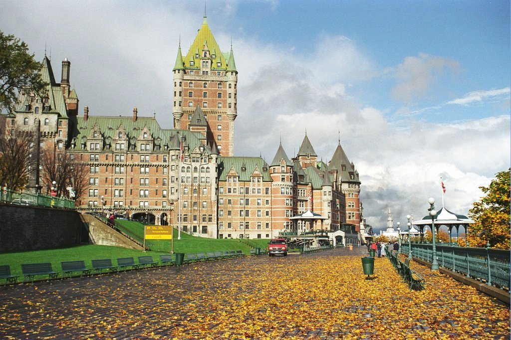 File:Chateaufrontenac-quebec-canada-rs.jpg - Wikimedia Commons