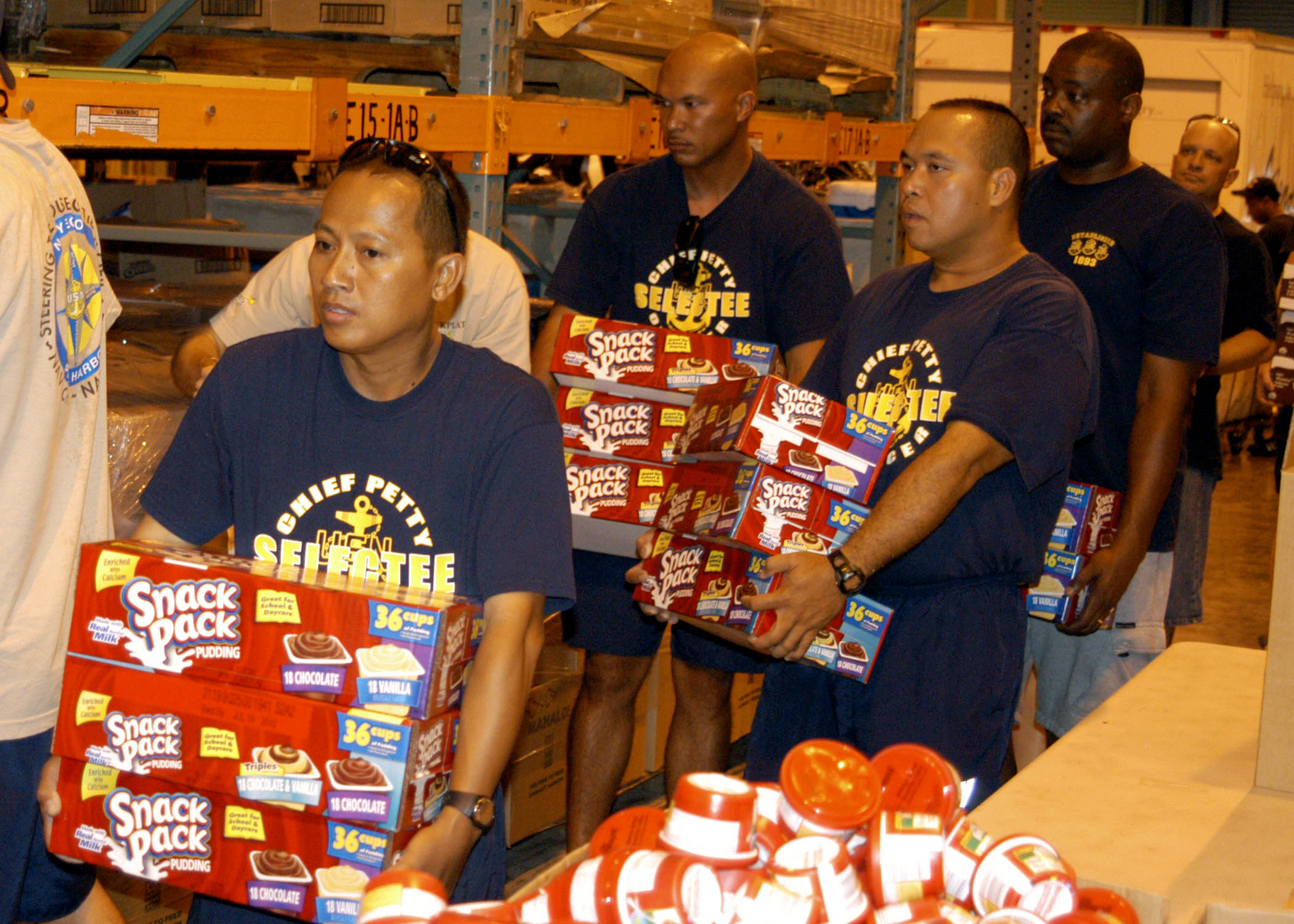 Chiefs_volunteer_at_food_bank_DVIDS202565.jpg?profile=RESIZE_710x
