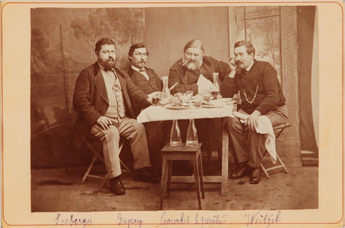 Courbet entouré d'amis fribourgeois à Bulle (1875-76). Photographie de Jules Gremaud - Cultea