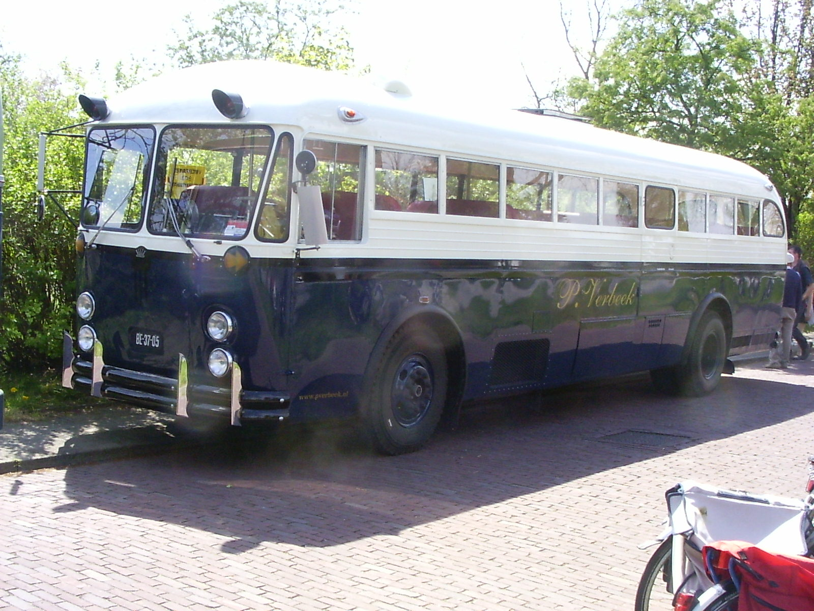 Crown1959bus-01.JPG