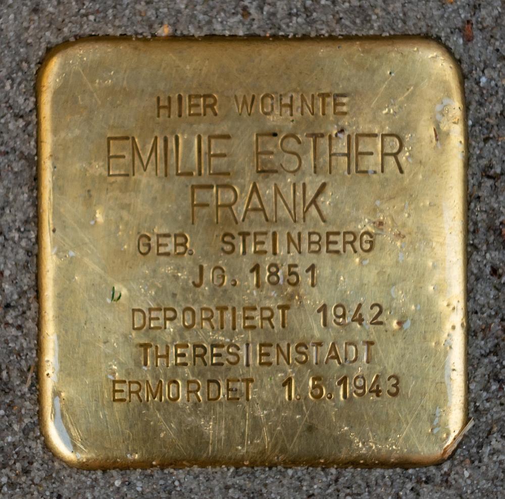 Detmold - 2020-07-14 - Stolperstein Emilie Esther Frank (DSC02604).jpg