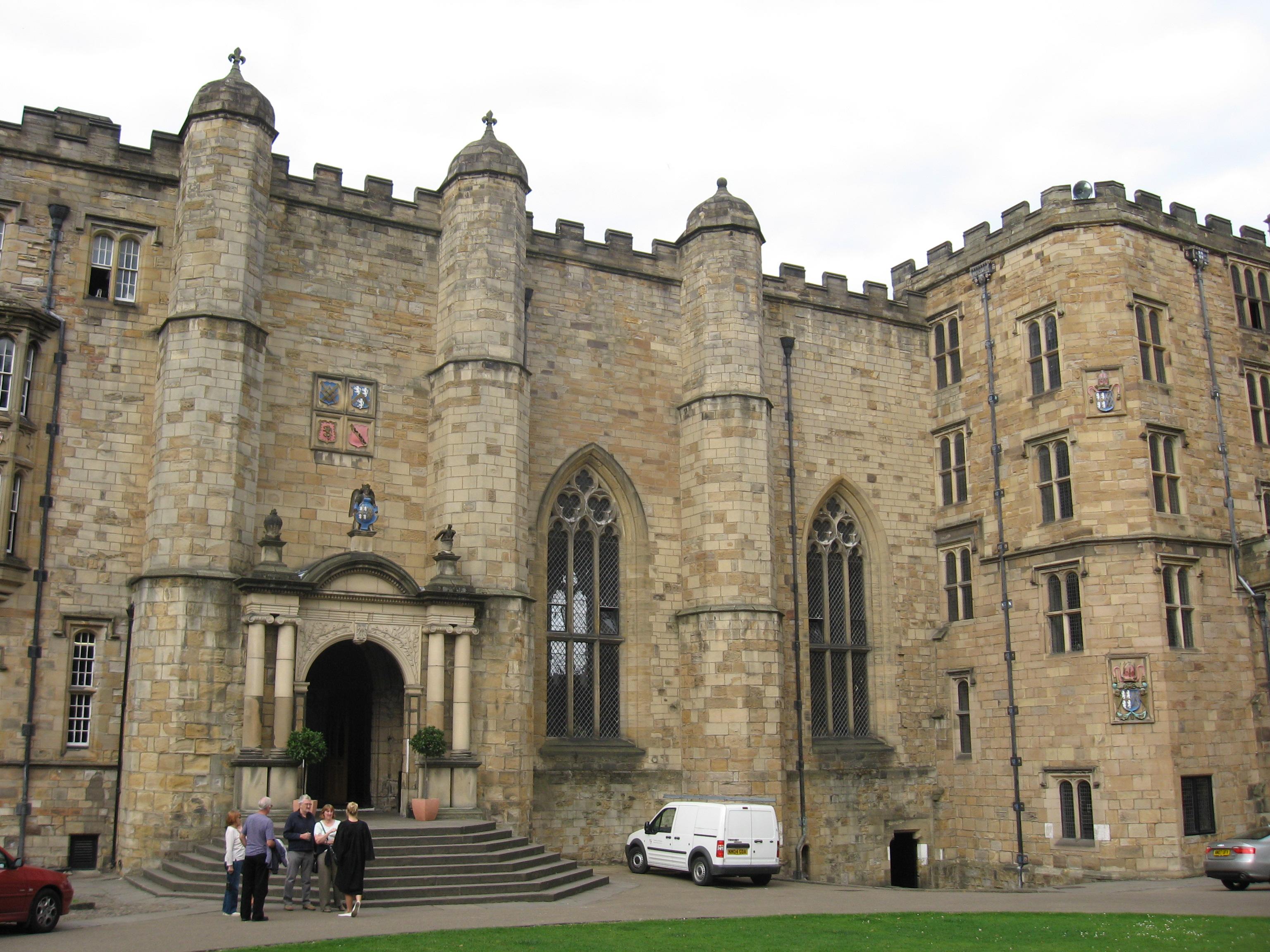 http://upload.wikimedia.org/wikipedia/commons/0/0d/Durham_Castle_Entrance.JPG
