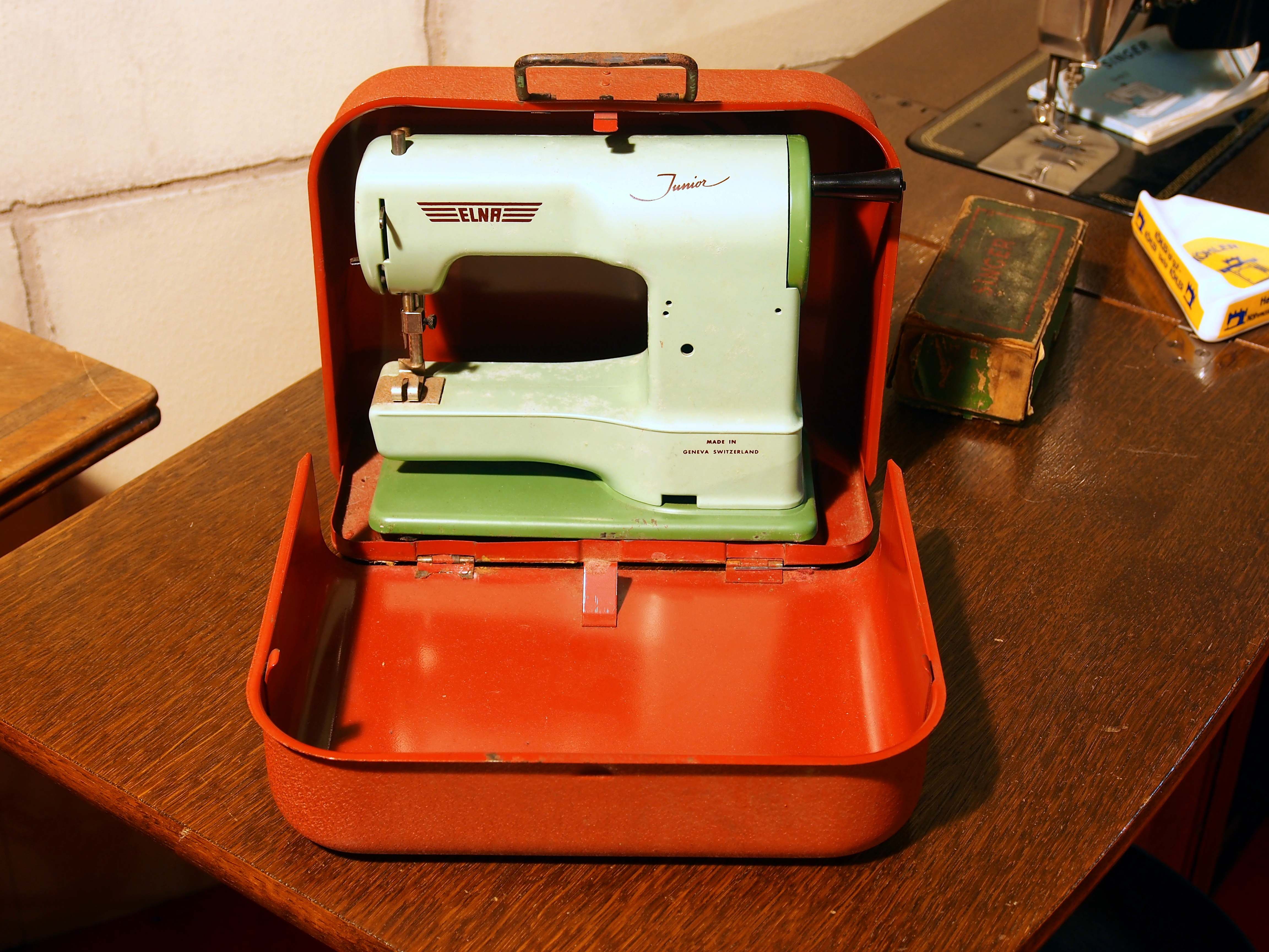 the history of the sewing machine It's been a long time coming but i finally got my first real-life honest-to-goodness industrial sewing machine and as the title states, it's a singer 111w155.