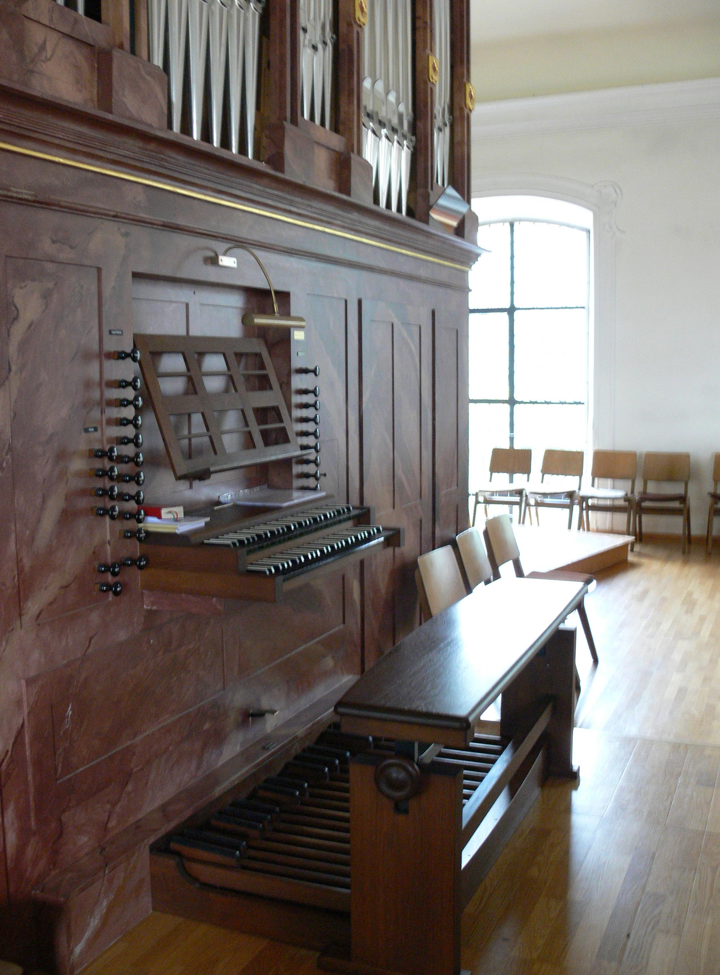 File Ebersbach Pfarrkirche Orgel Spieltisch Wikimedia mons