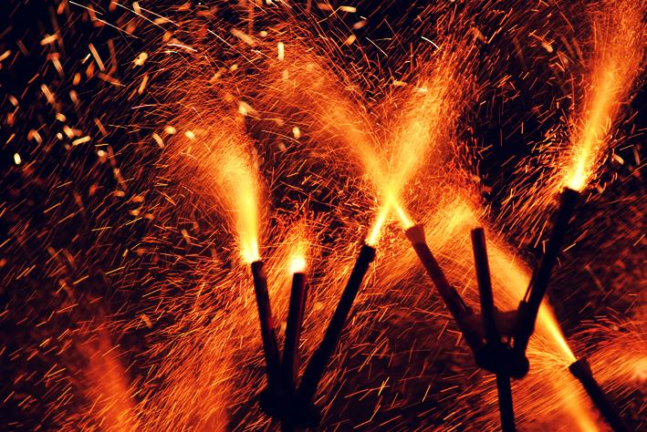 Os fogos do Correfoc e seus demônios