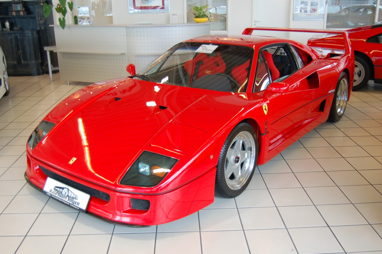 file ferrari f40 at auto salon singen germany wikimedia commons. Black Bedroom Furniture Sets. Home Design Ideas