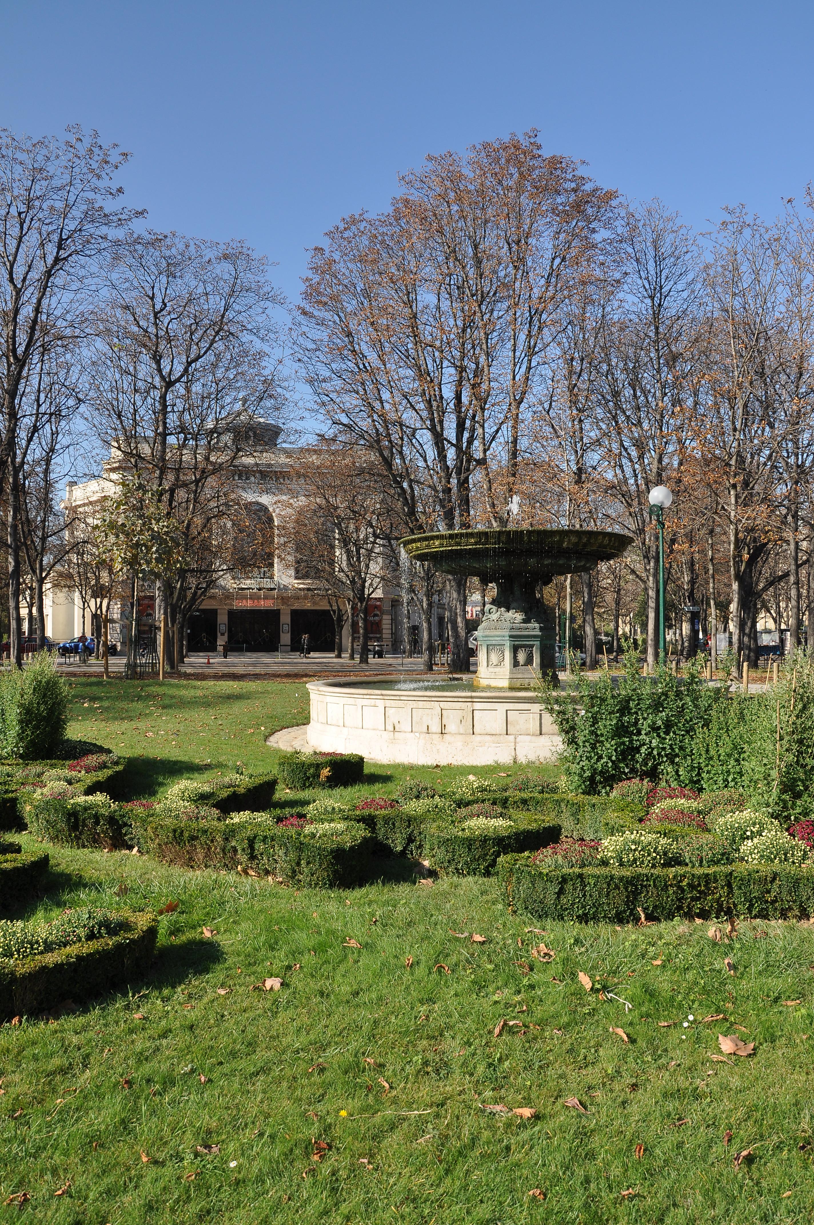 File Fontaine de la Grille du Coq Wikimedia mons