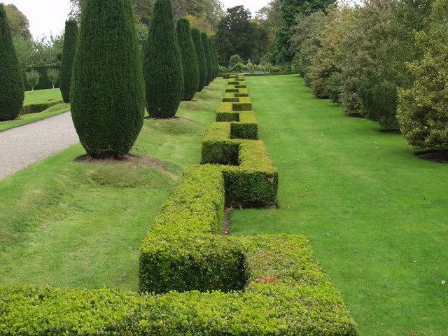 Formal garden at Erddig - geograph.org.uk - 570573