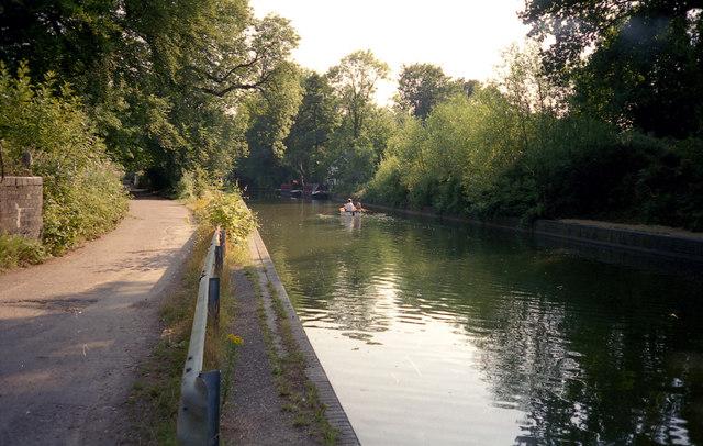 Frimley Aqueduct, Basingstoke Canal - geograph.org.uk - 791714