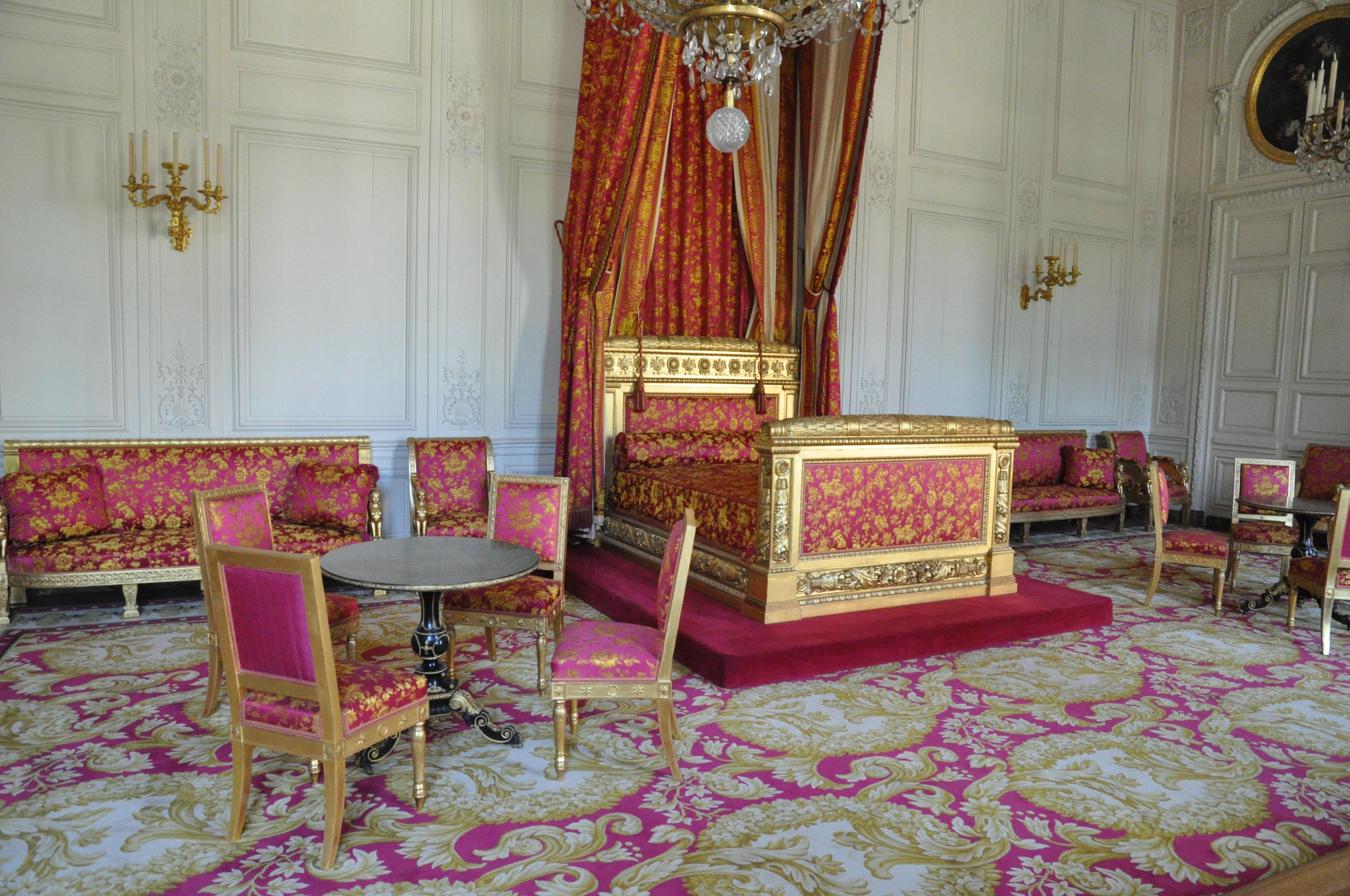 File grand trianon chambre de la reine des belges 01 jpg for Chambre de la reine