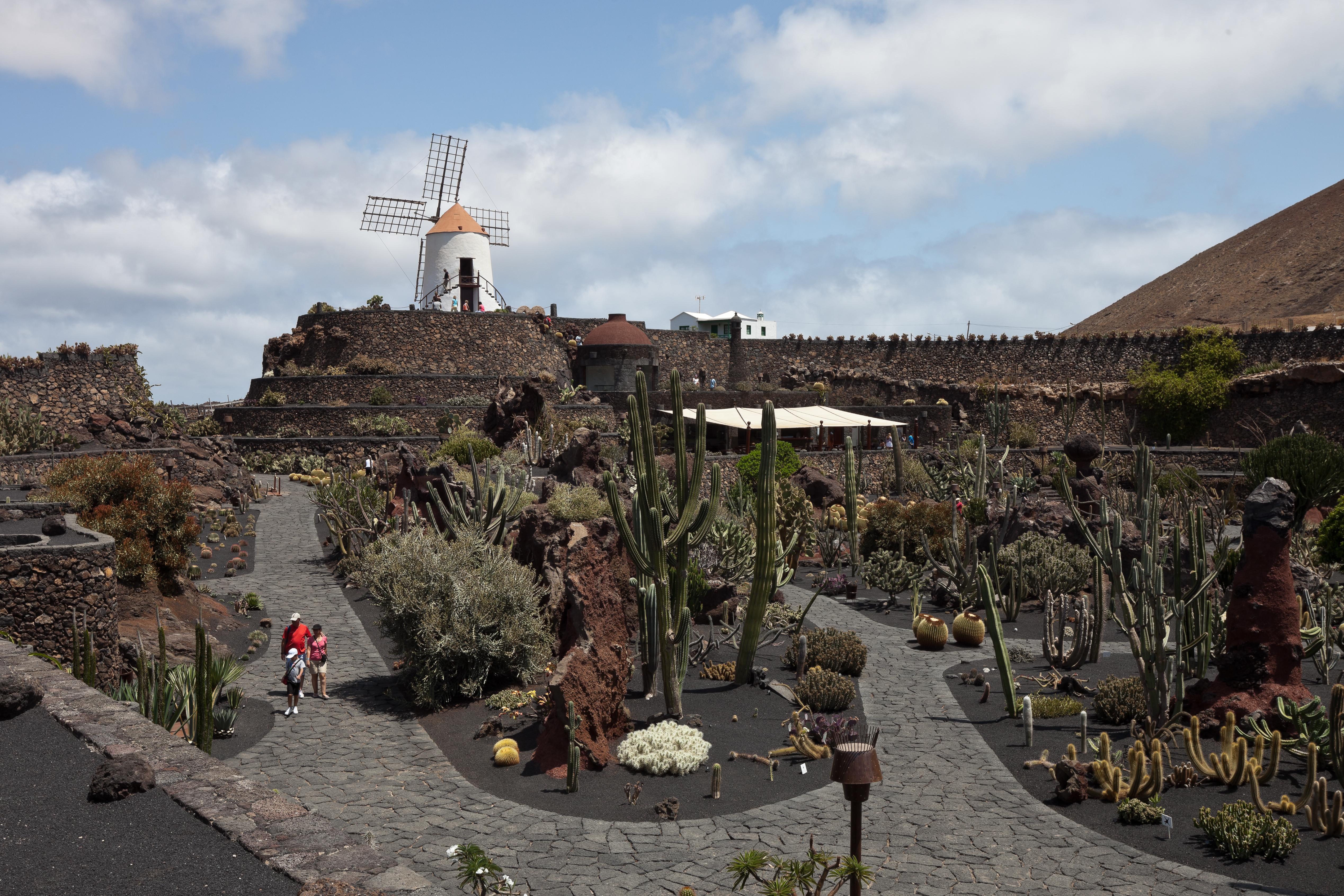 File Guatiza Jardn de Cactus Lanzarote J42 Wikimedia