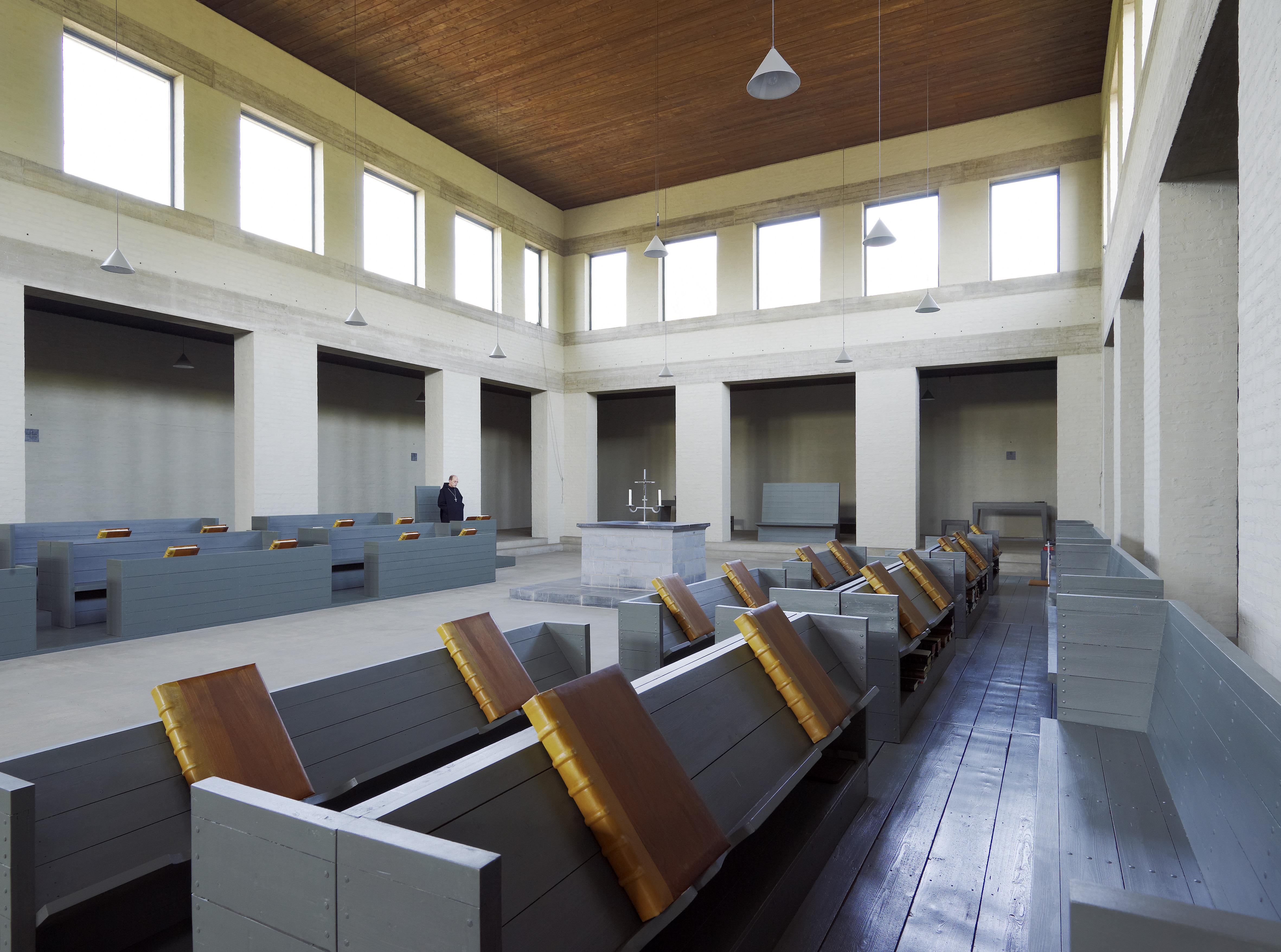 File interieur bovenkerk zicht op de middenbeuk met for Interieur wikipedia