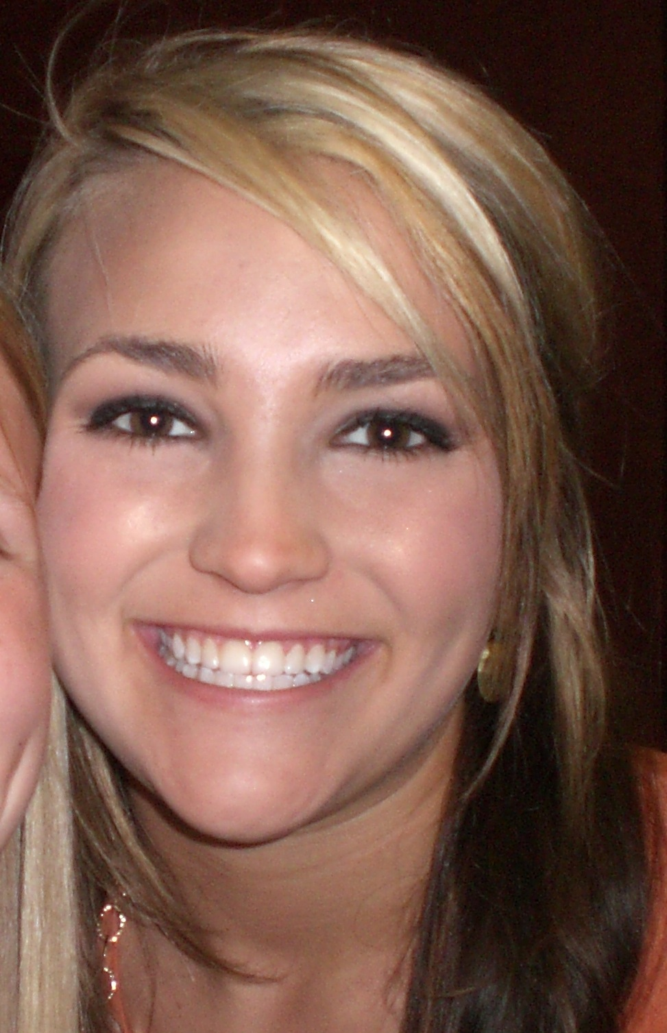 The 29-year old daughter of father (?) and mother(?) Jamie Lynn Spears in 2020 photo. Jamie Lynn Spears earned a million dollar salary - leaving the net worth at 5 million in 2020