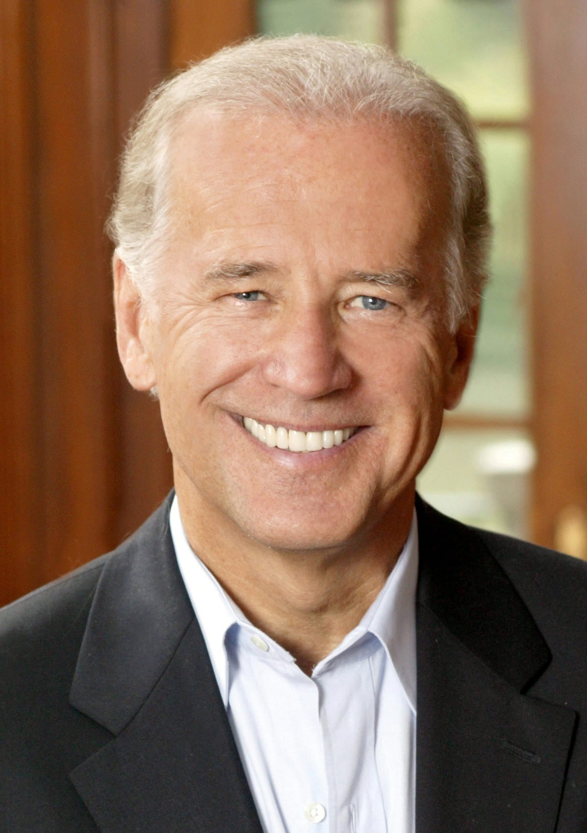 File:Joe Biden, official photo portrait 2-cropped.jpg - Wikimedia ...