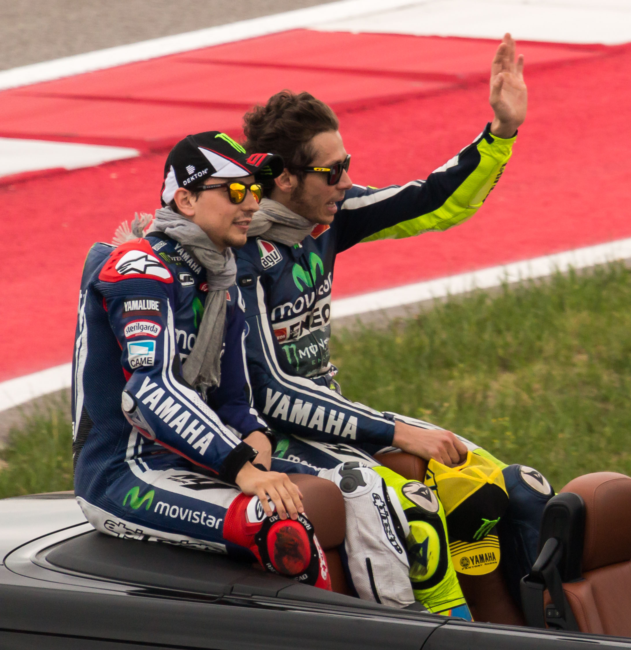 File:Jorge Lorenzo and Valentino Rossi - 2014 US Grand Prix (cropped).jpg - Wikimedia Commons
