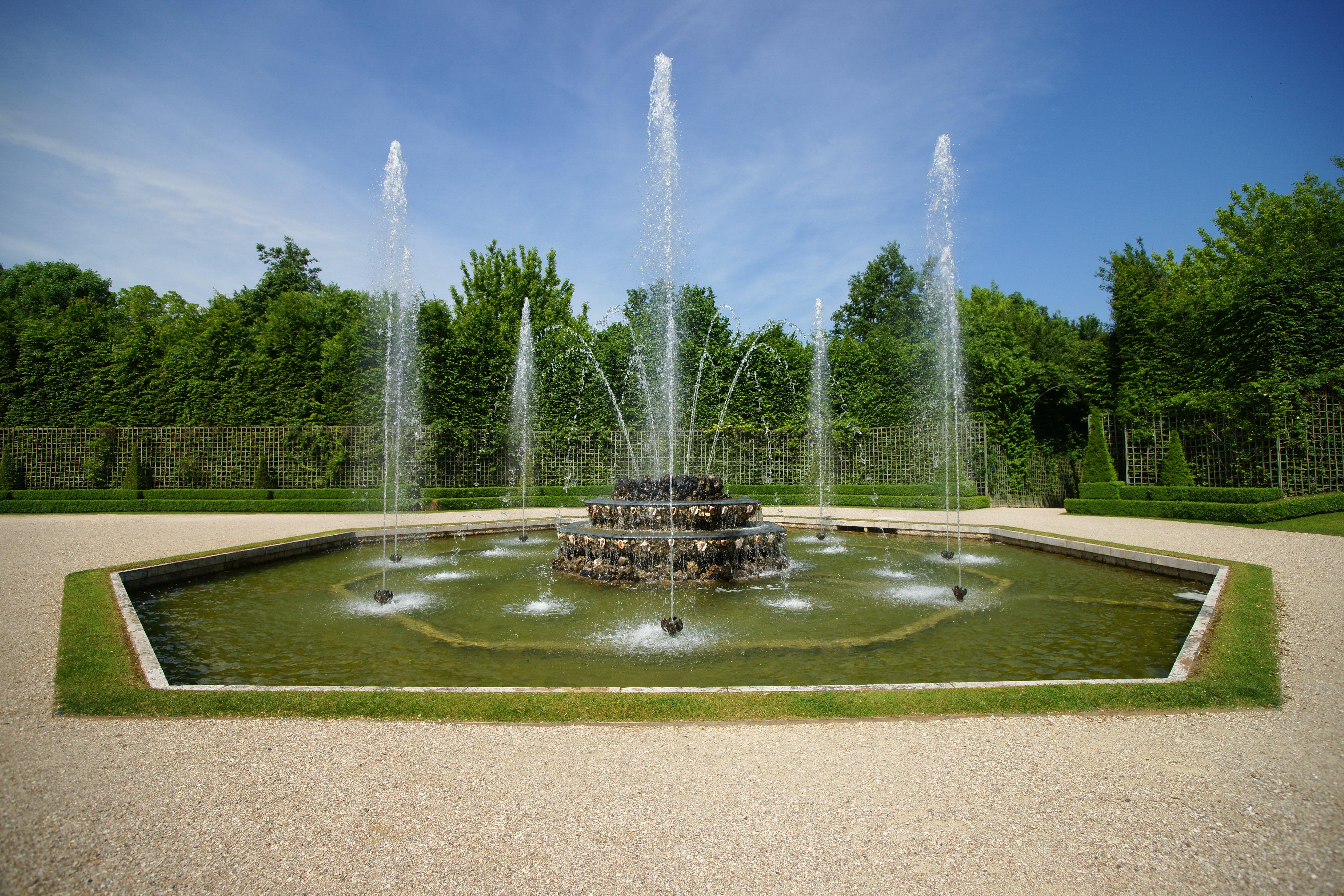 File le chateau de versailles le jardin 85 jpg for Jardin de versailles