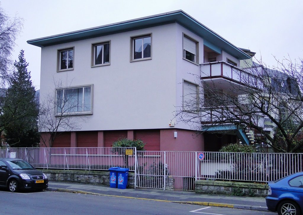 File luxembourg haus pierre gilbert 2 jpg wikimedia for Maison moderne luxembourg wikipedia
