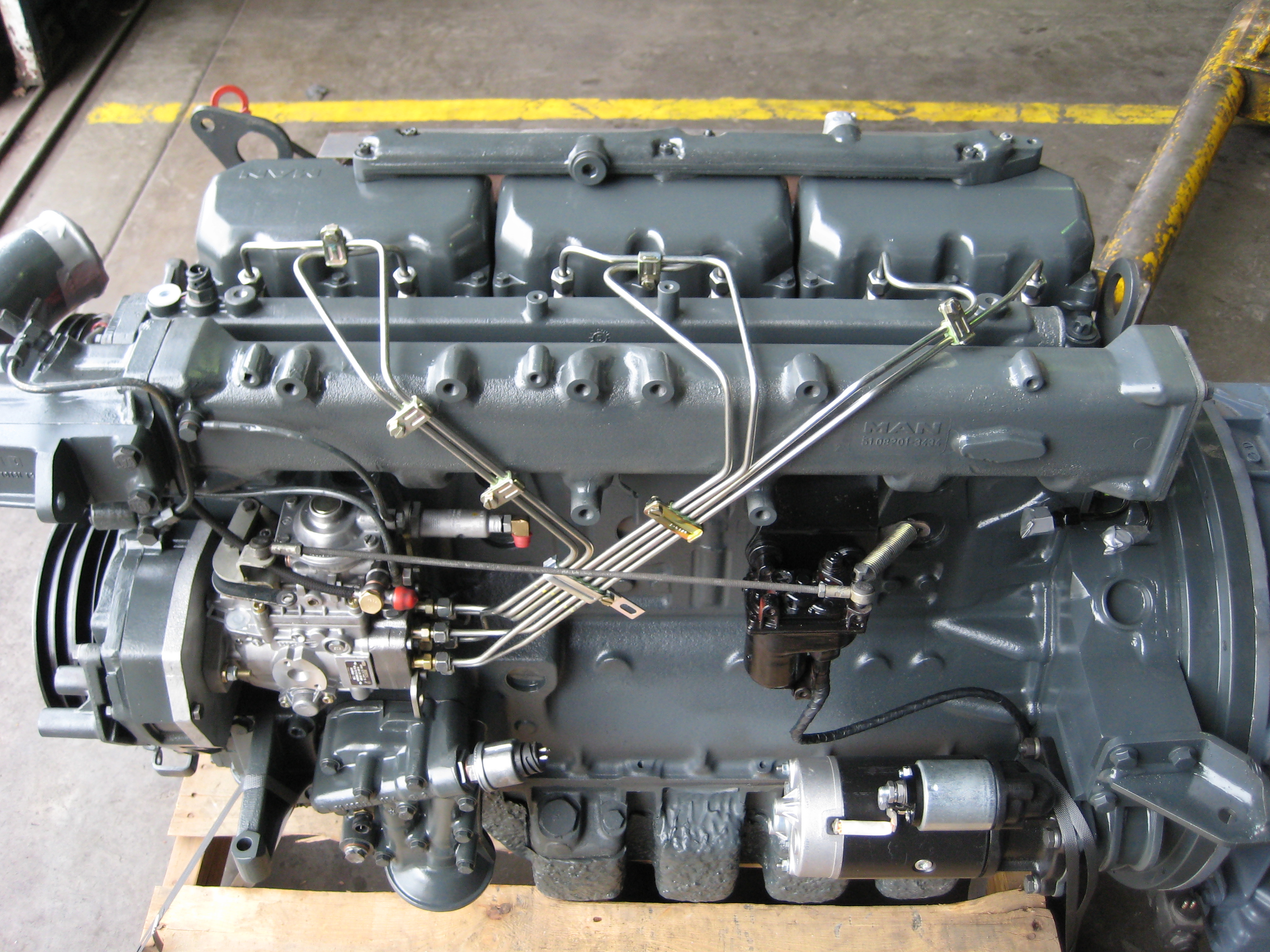 Description MAN turbodiesel engine.jpg