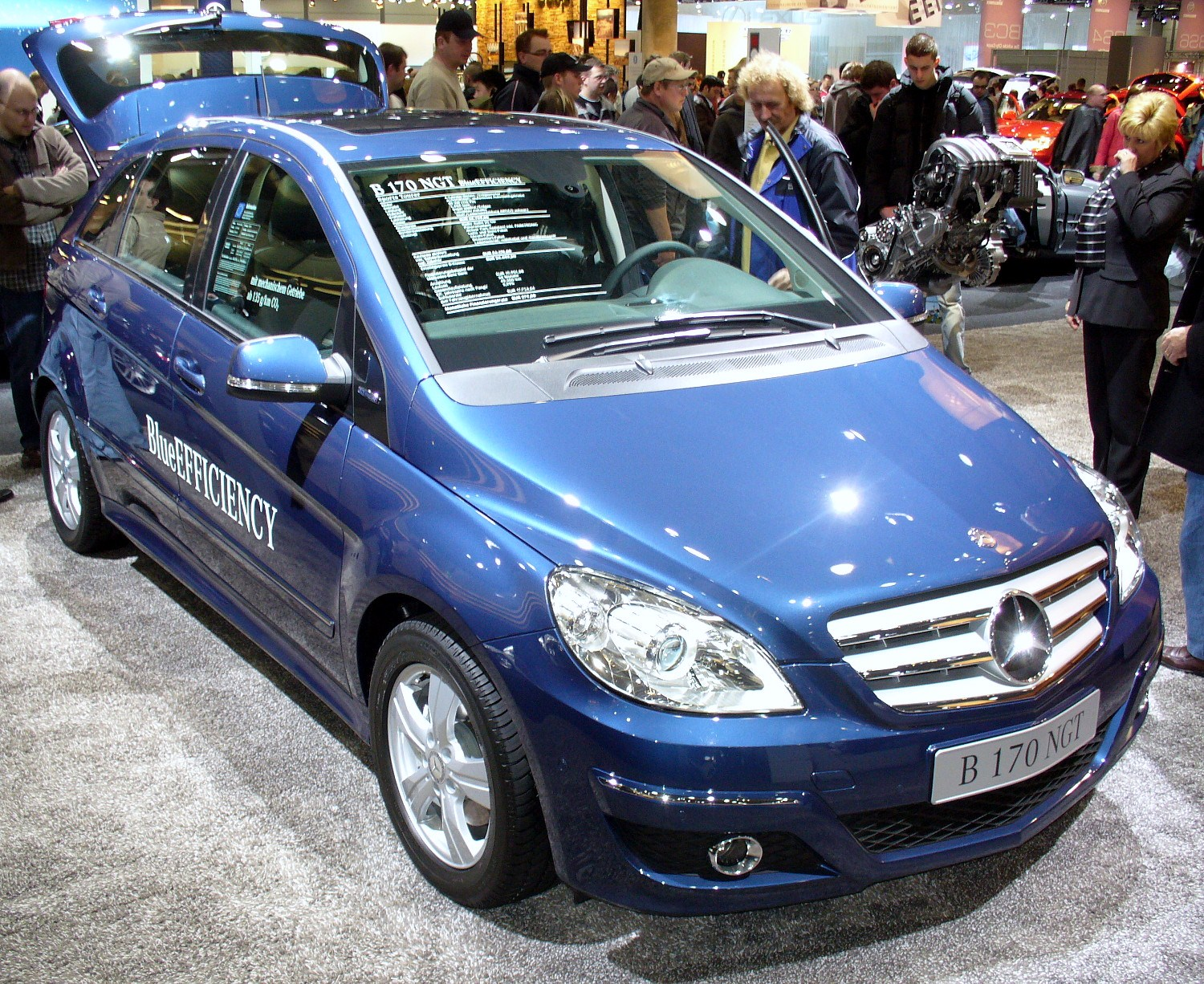 File:Mercedes-Benz W245 B170 NGT BlueEfficiency Facelift ...