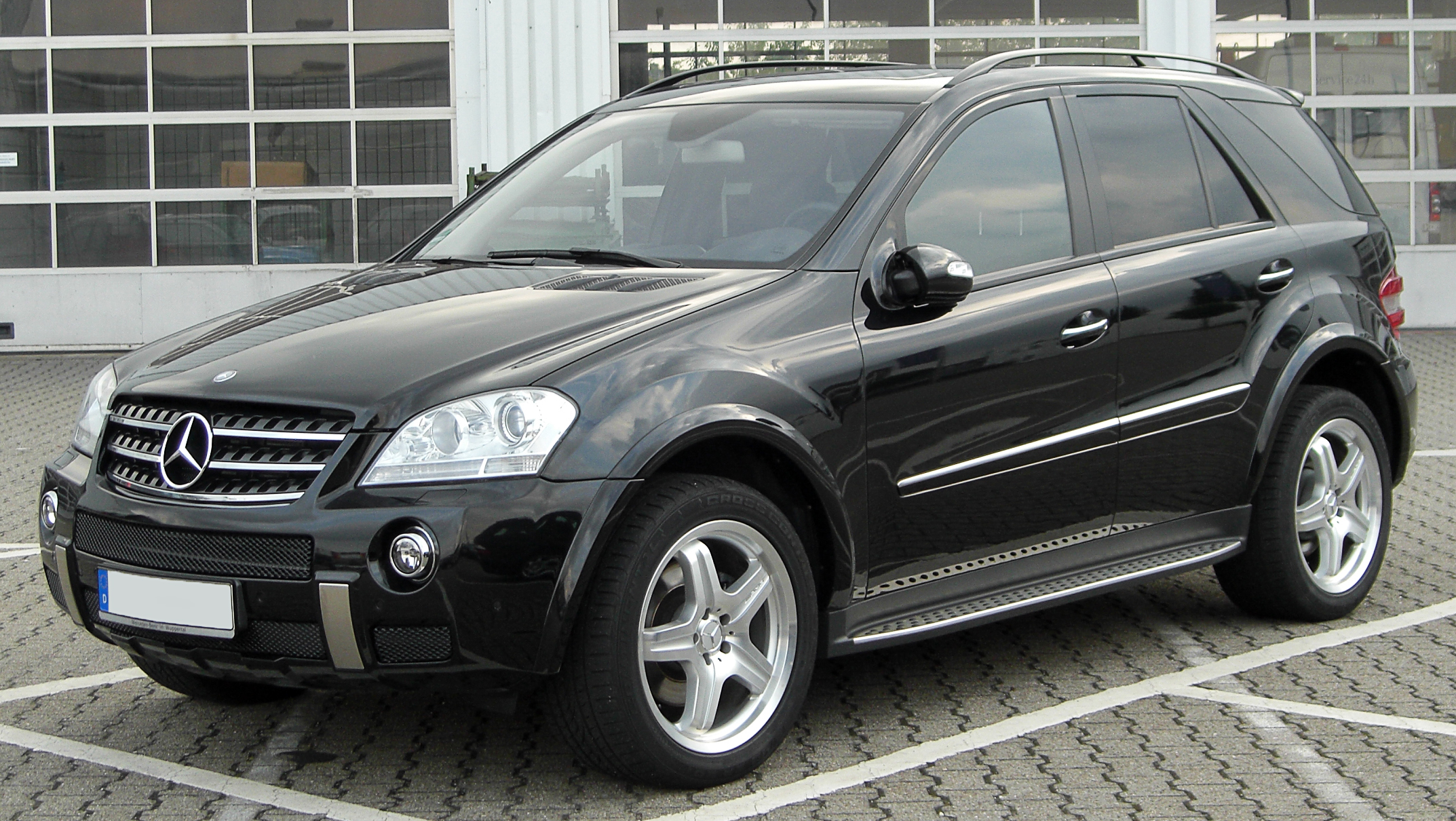 file mercedes ml amg sportpaket w164 front. Black Bedroom Furniture Sets. Home Design Ideas