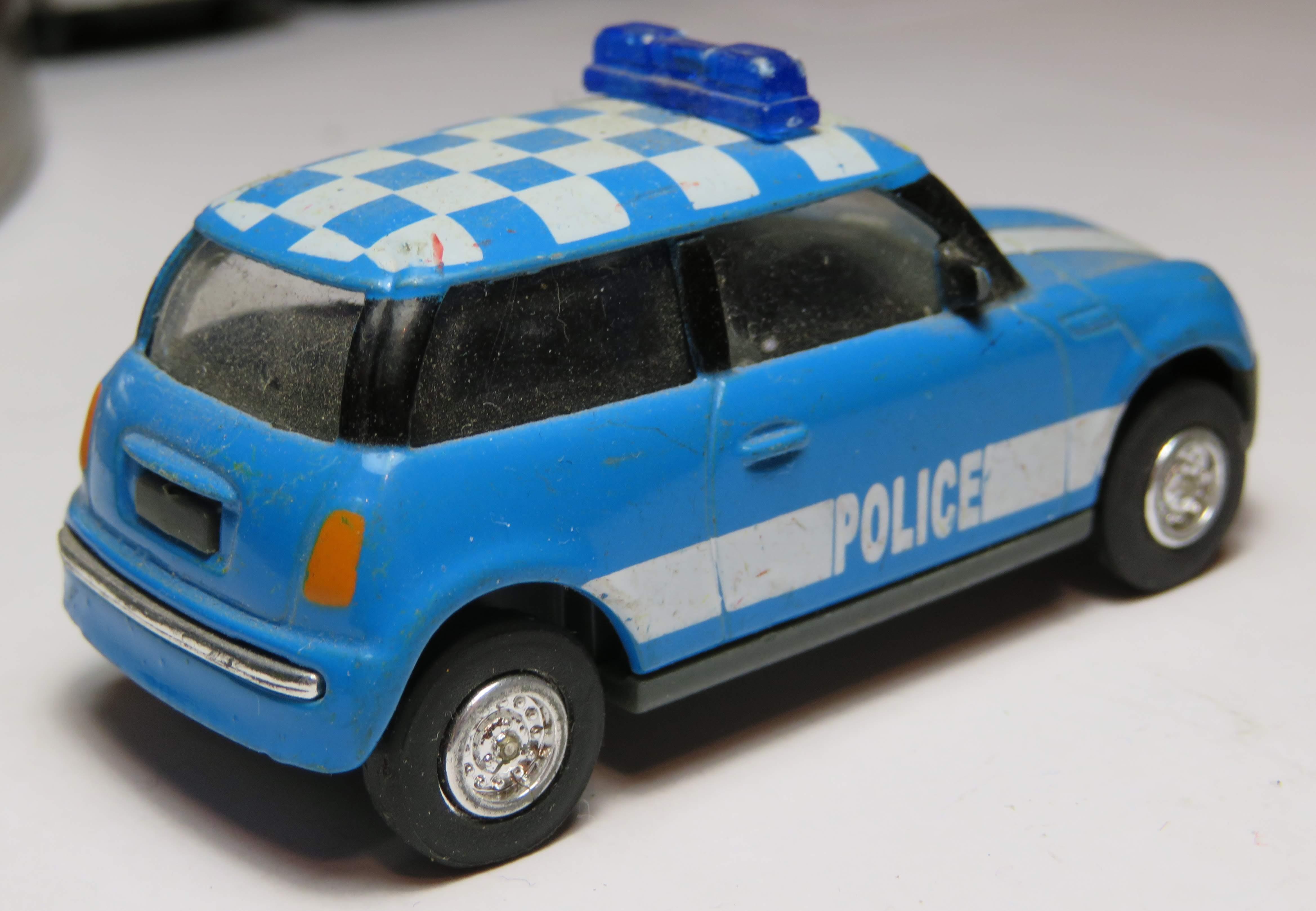 file:mini cooper police cruiserunknown manufacturer (rear)