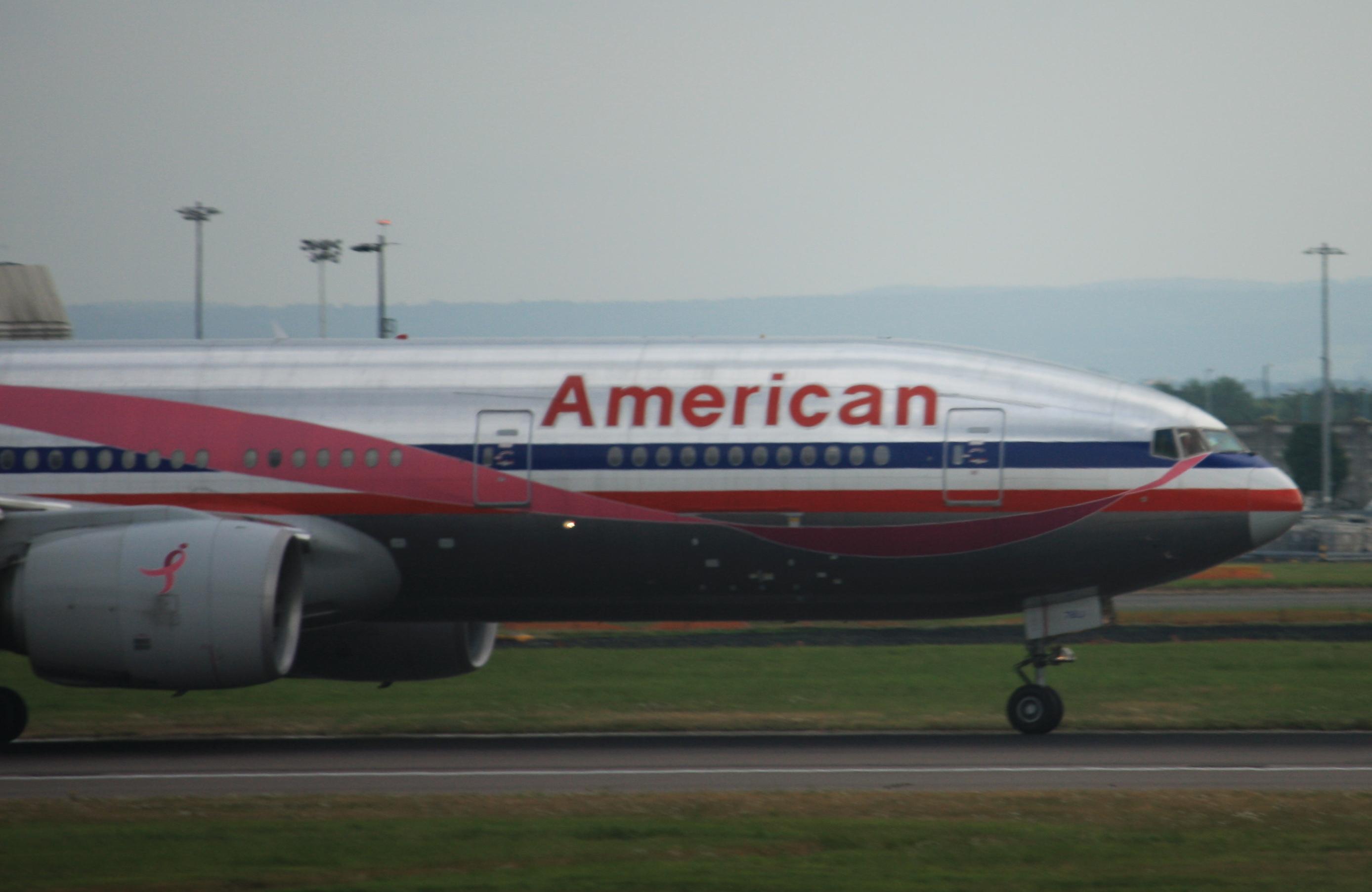 File N759AN 7BU Boeing 777 223 ER cn 376