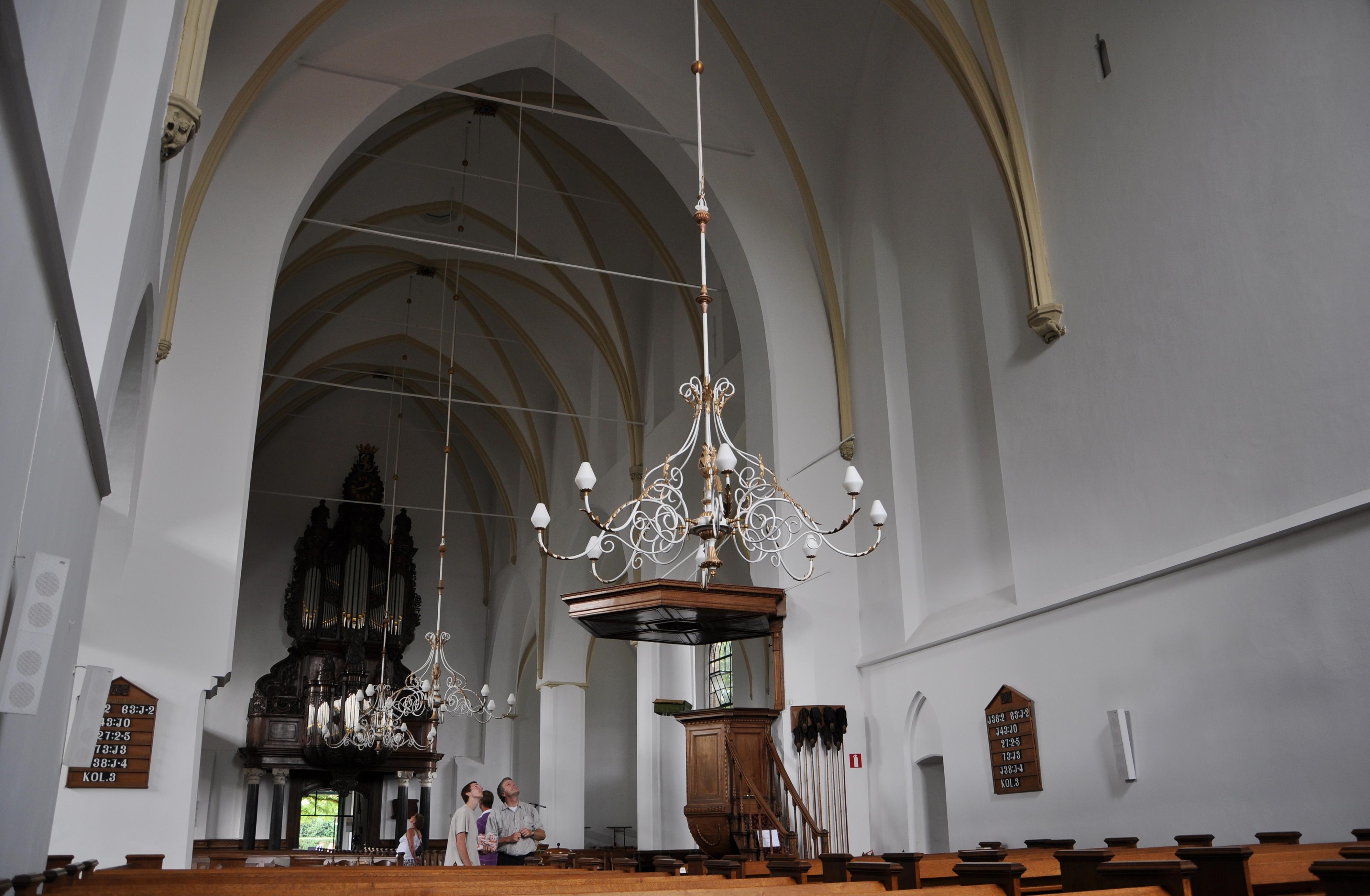 File nijkerk grote kerk interieur vanuit het for Interieur wikipedia